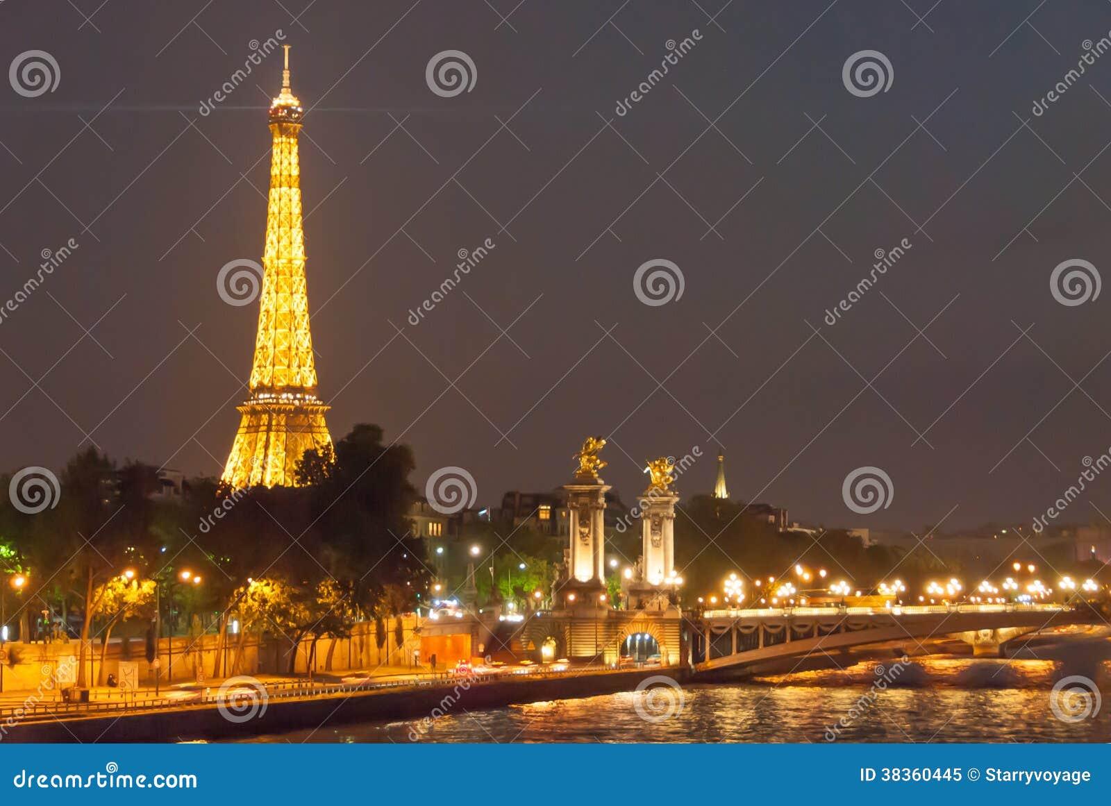 Torre Eiffel e Alexander Bridge na noite II