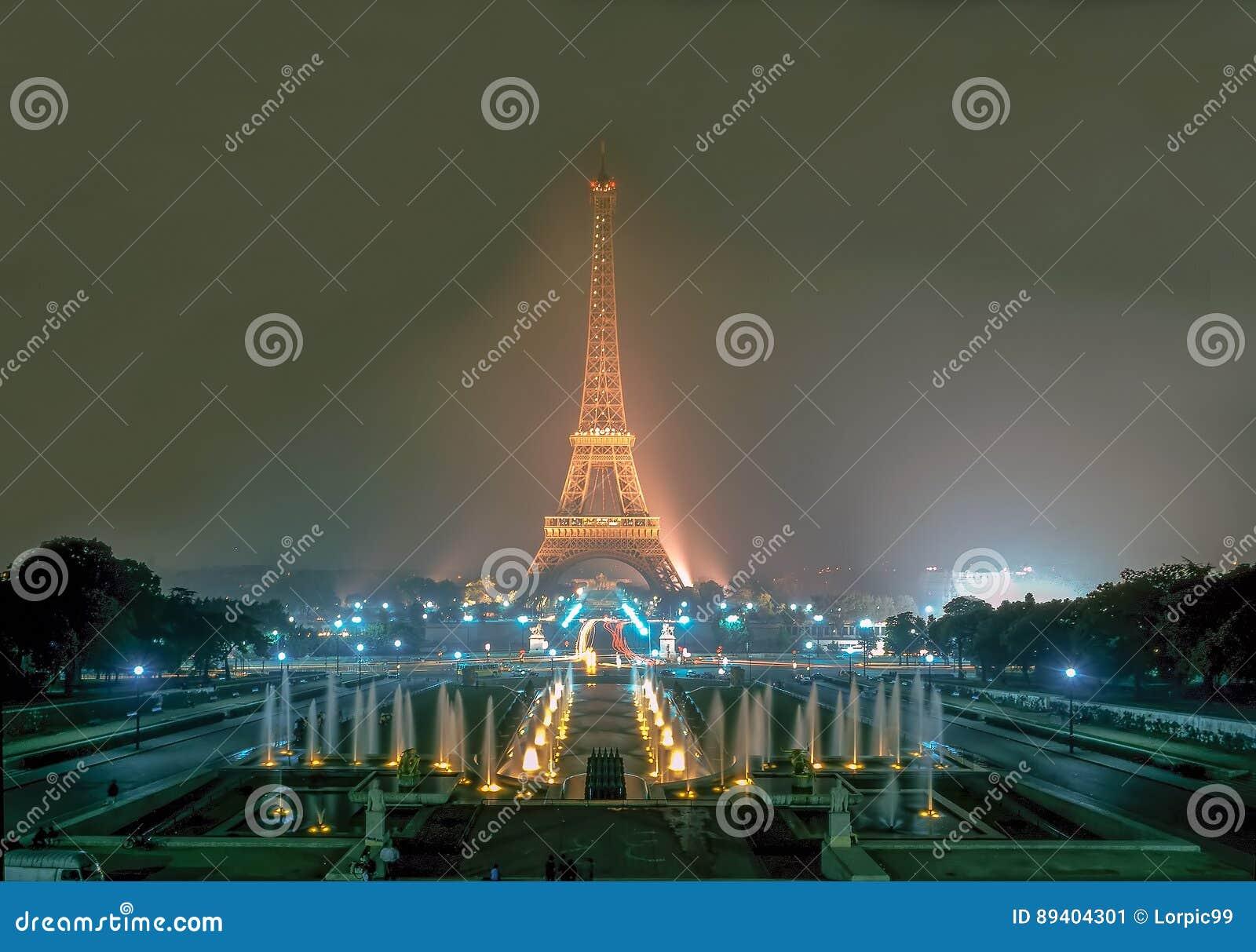 Torre Eiffel em Paris, France