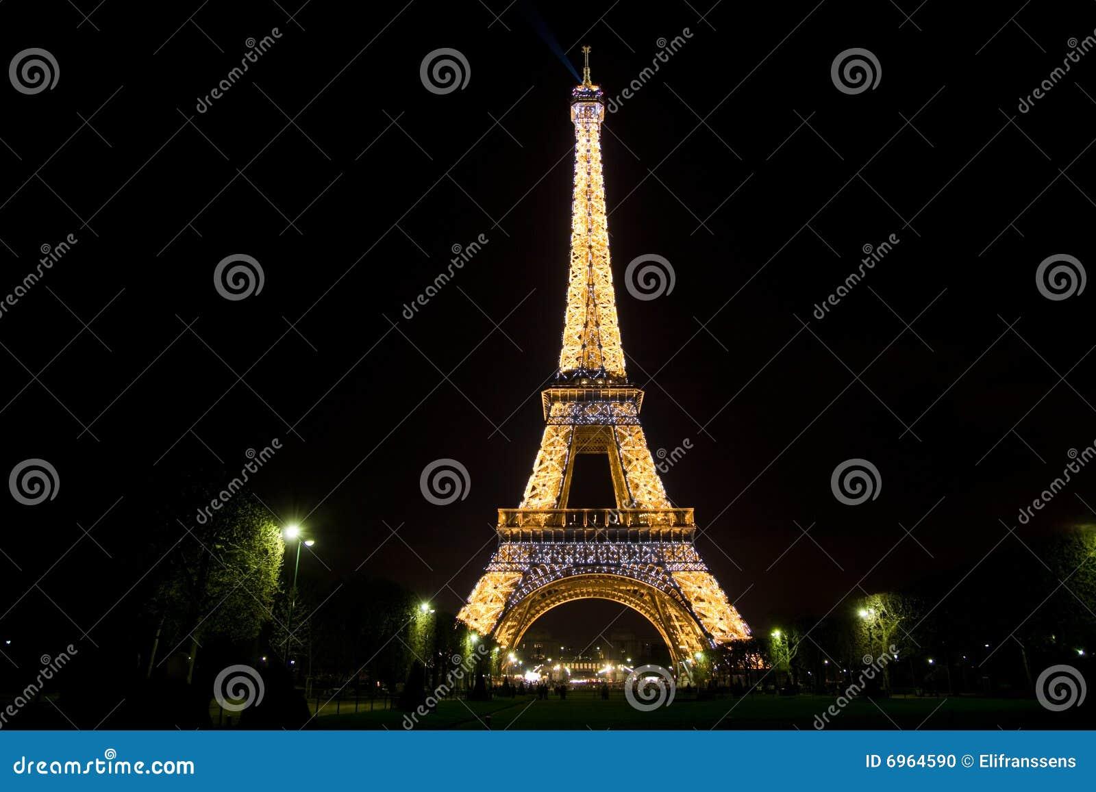 Torre Eiffel Por Noche Imagen Editorial