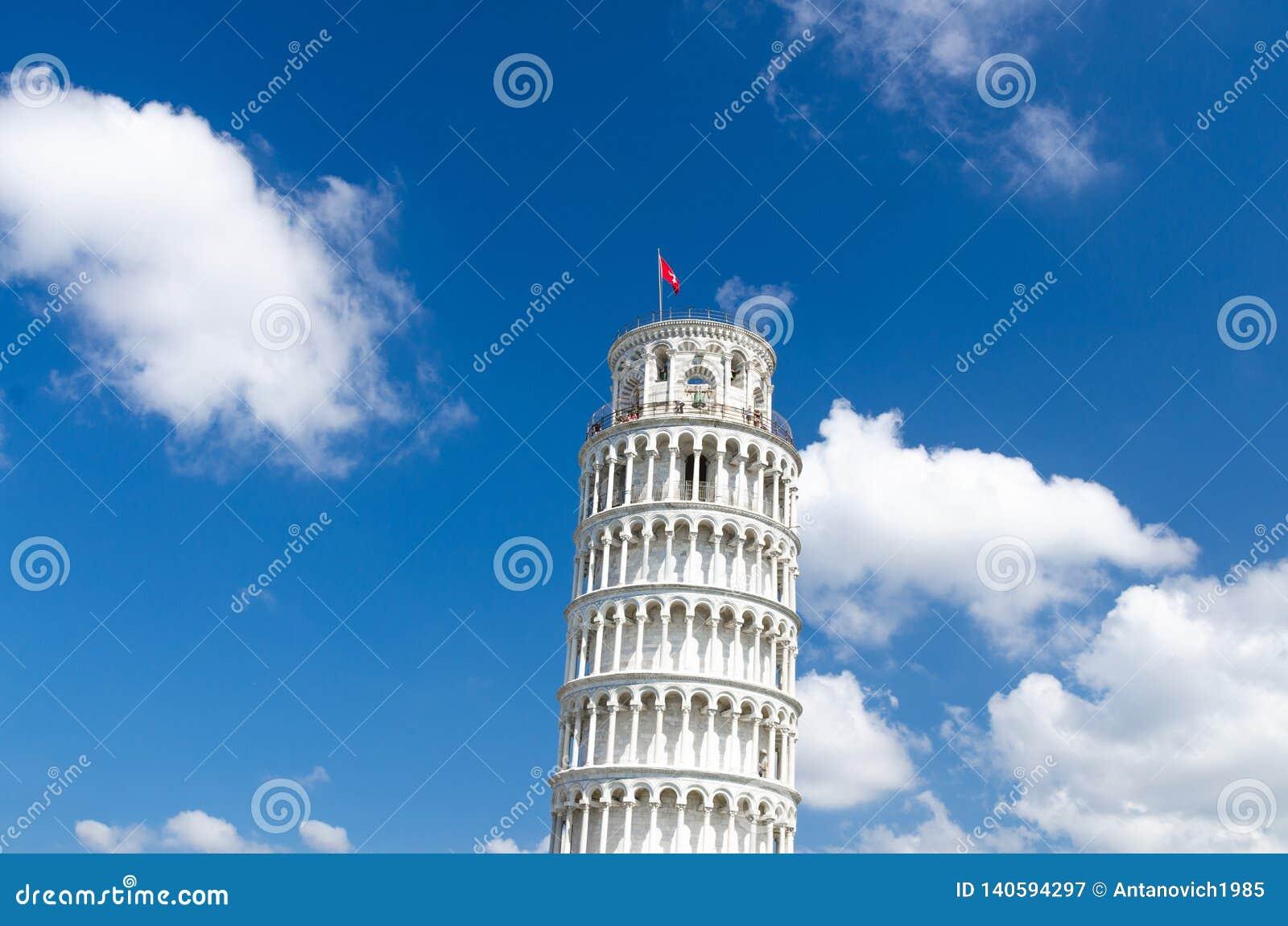 Torre för benägenhettorn di Pisa på den Piazza del Miracoli fyrkanten