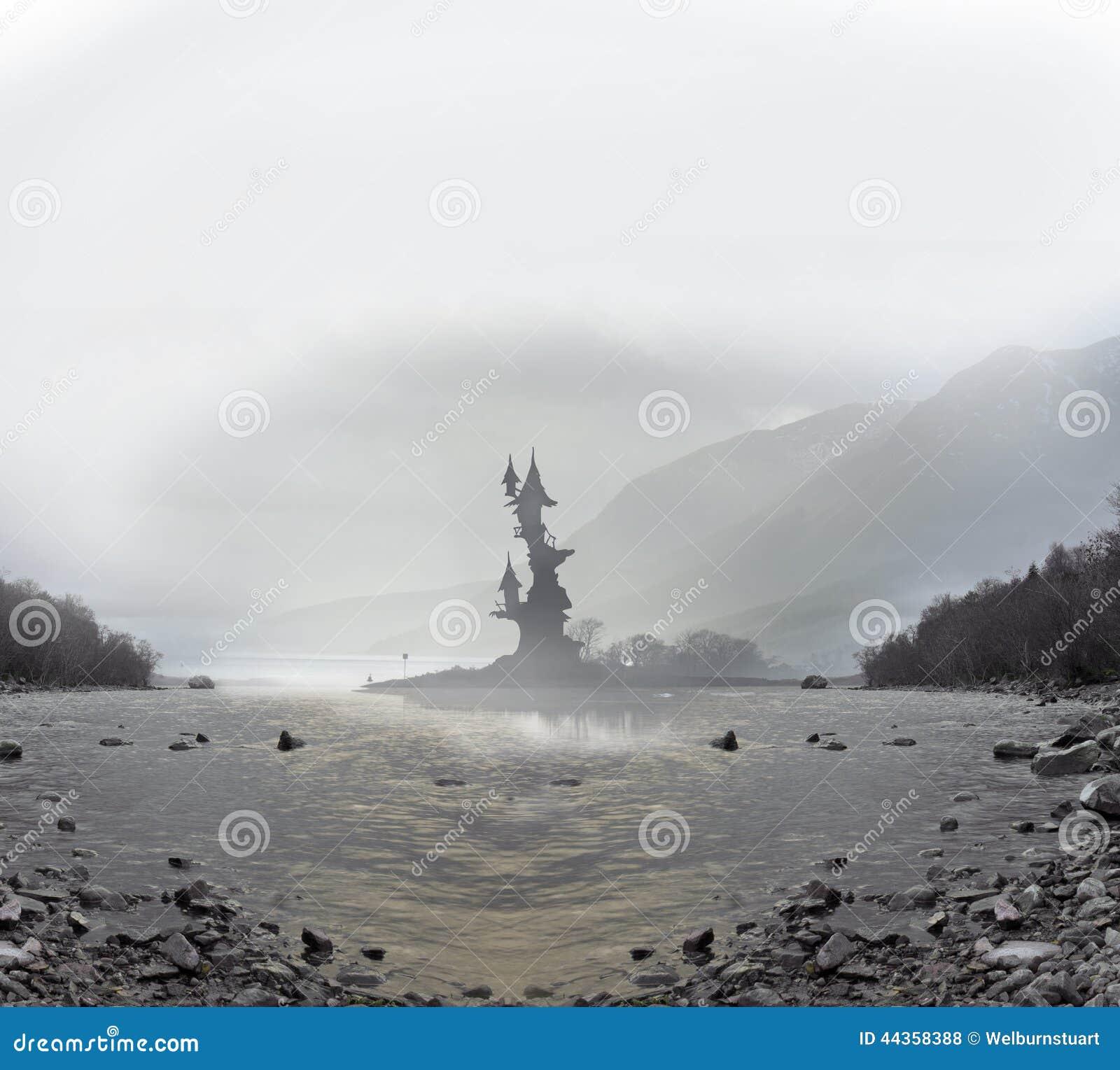 Torre leggiadramente in lago
