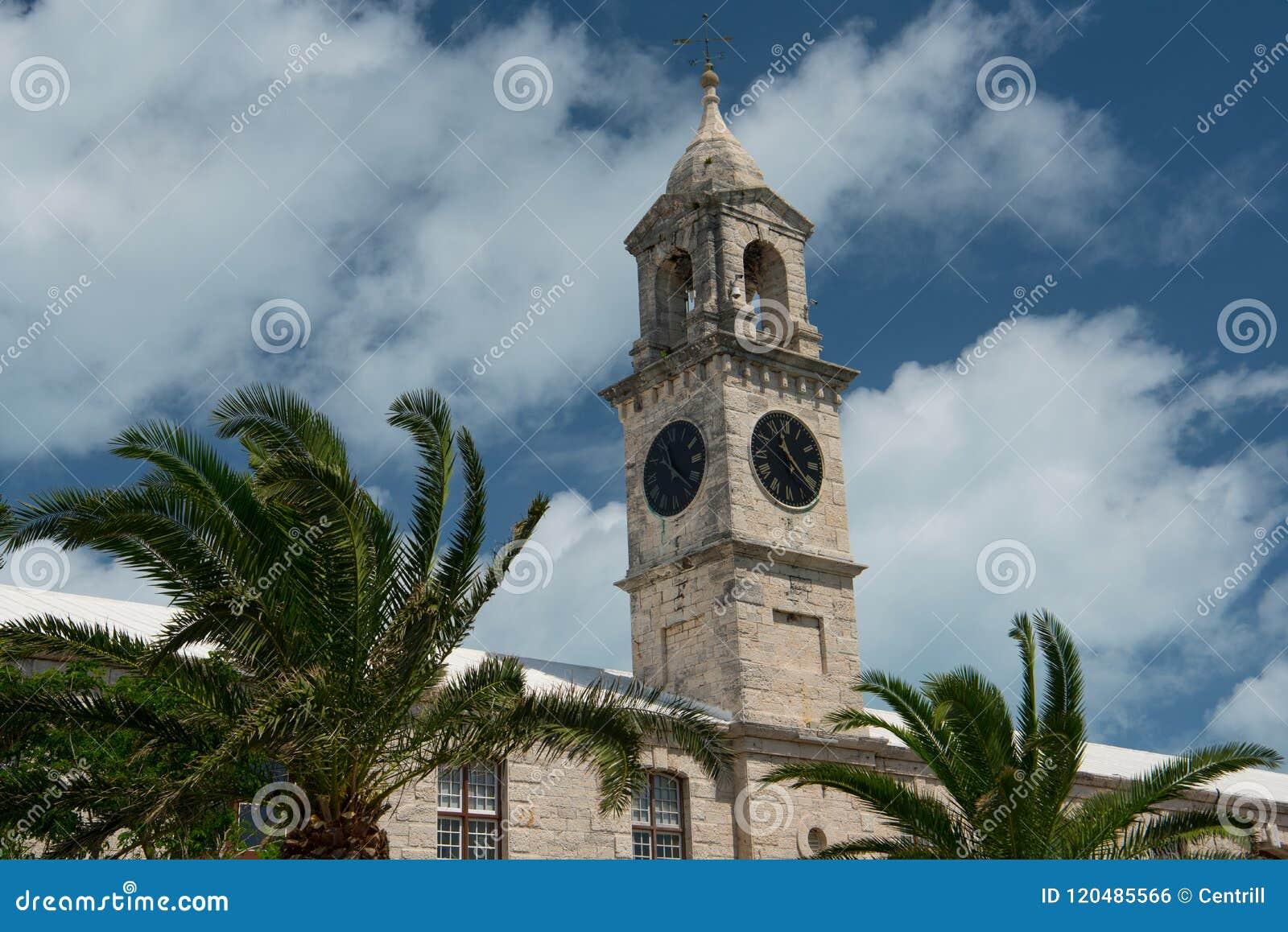 Torres de pulso de disparo navais reais do estaleiro em Bermuda