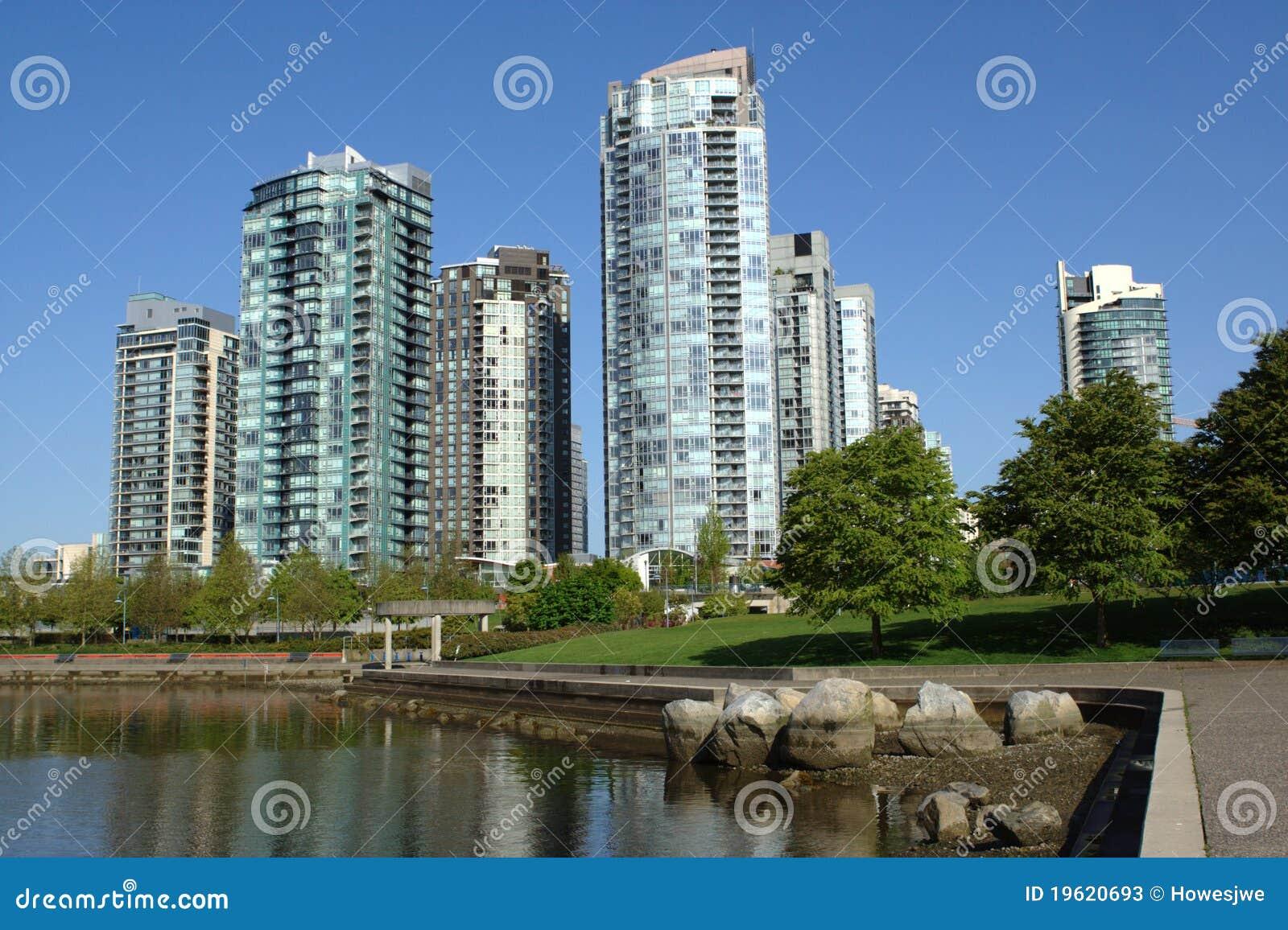 Torres de Vancouver, cala falsa