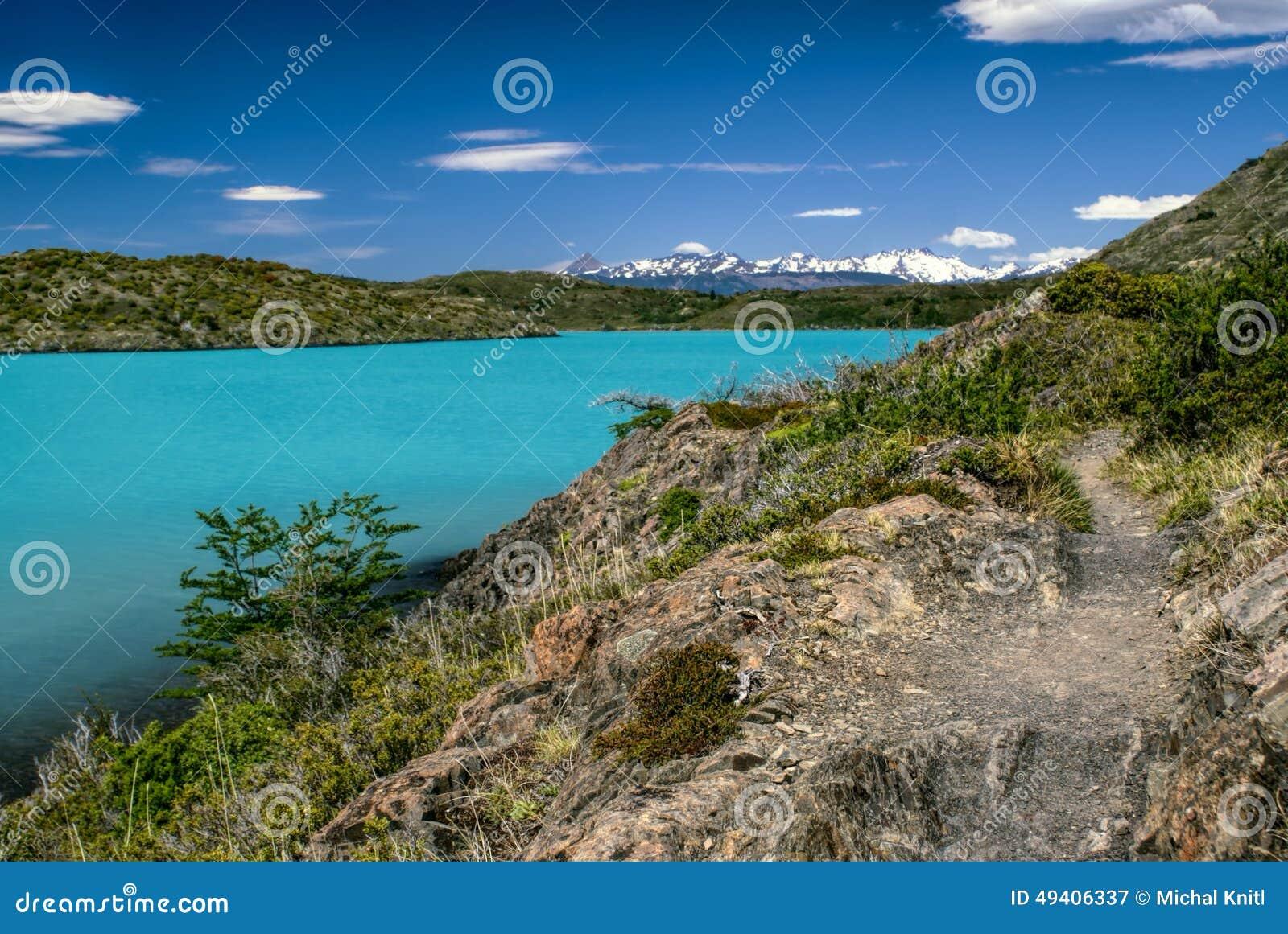 Download Torres Del Paine stockbild. Bild von outdoor, ufer, panoramisch - 49406337