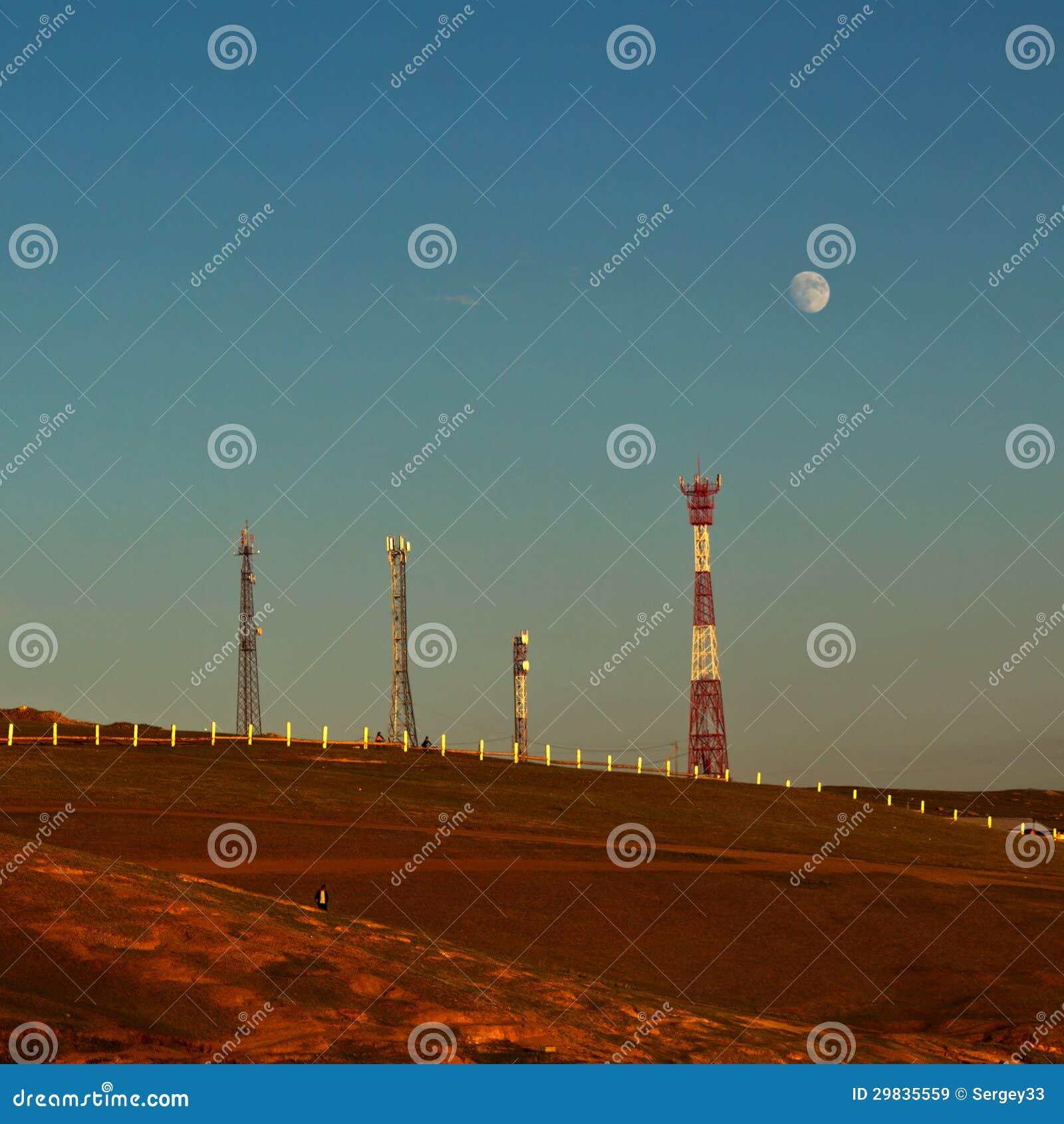 Torres de comunicação celulares na ilha Olkhon