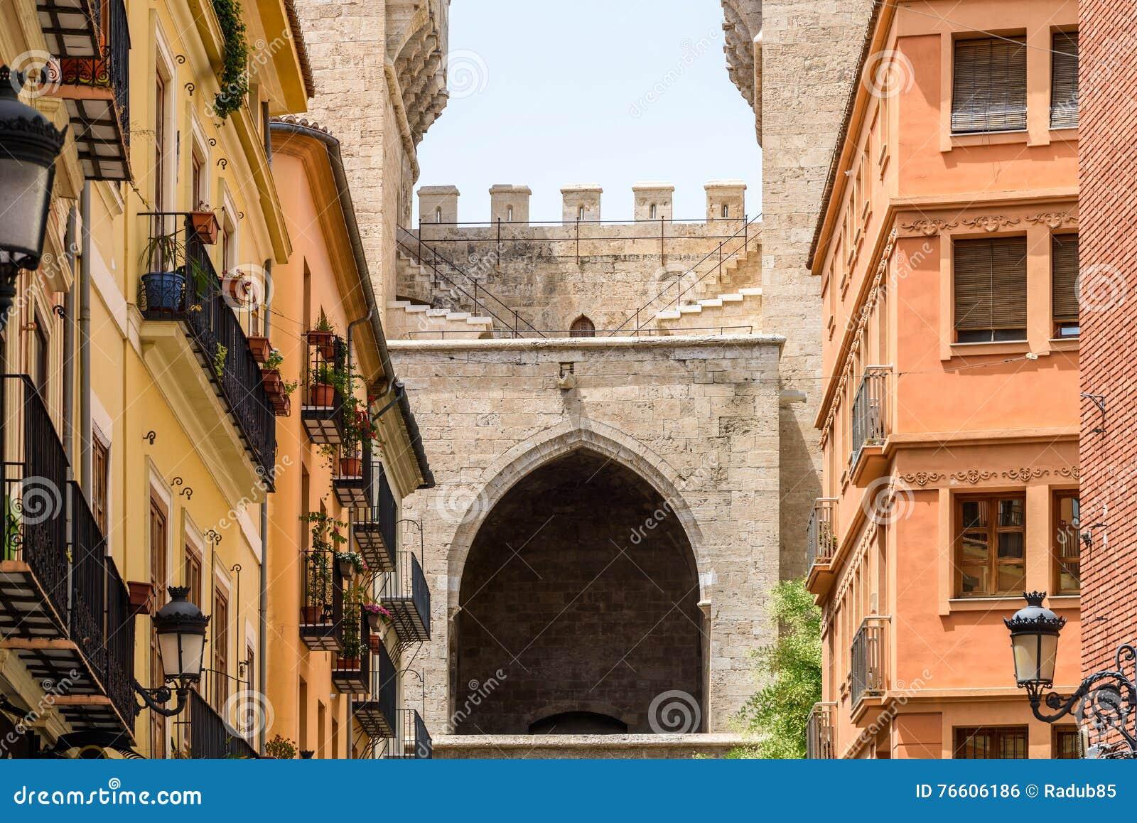 Torres & x28; Towers& x29; DE Quart In Valencia