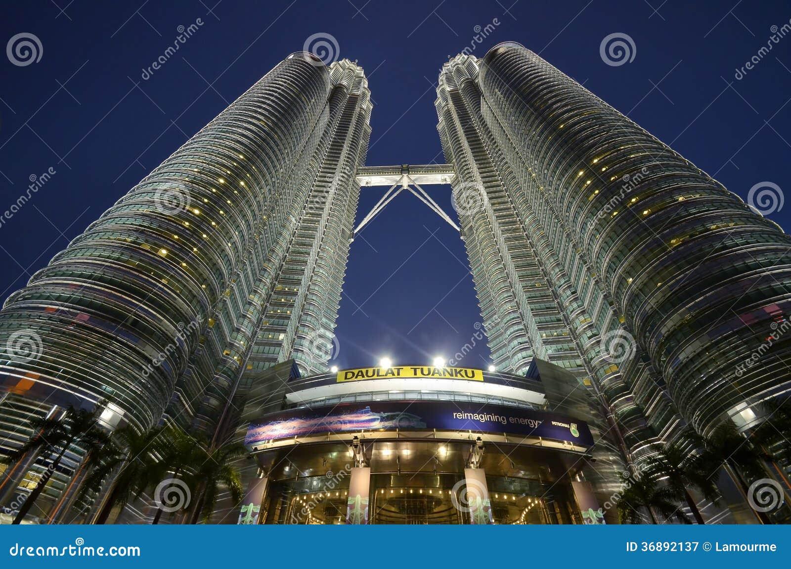Download Torri Di Petronas, Kuala Lumpur, Malesia Immagine Stock - Immagine di centro, limite: 36892137