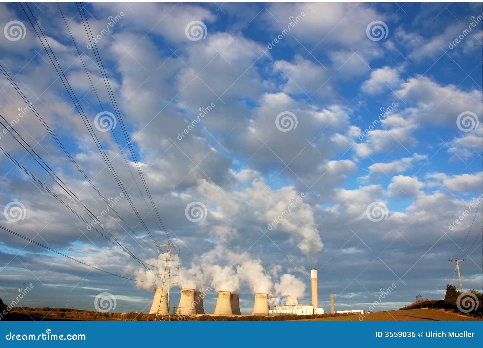 Torri di raffreddamento della centrale elettrica