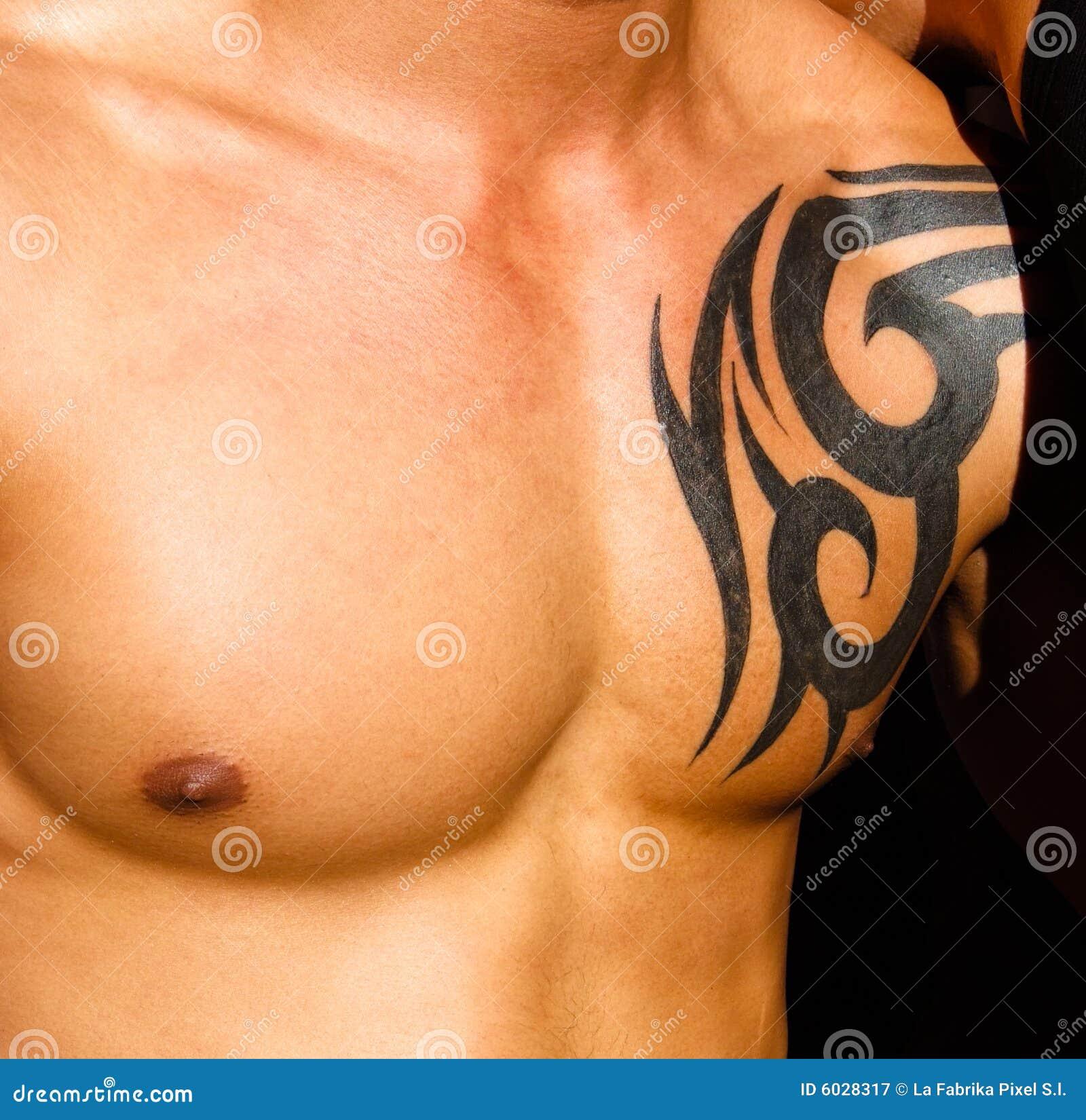 Tatouage homme torse - Torse M Le Avec Le Tatouage