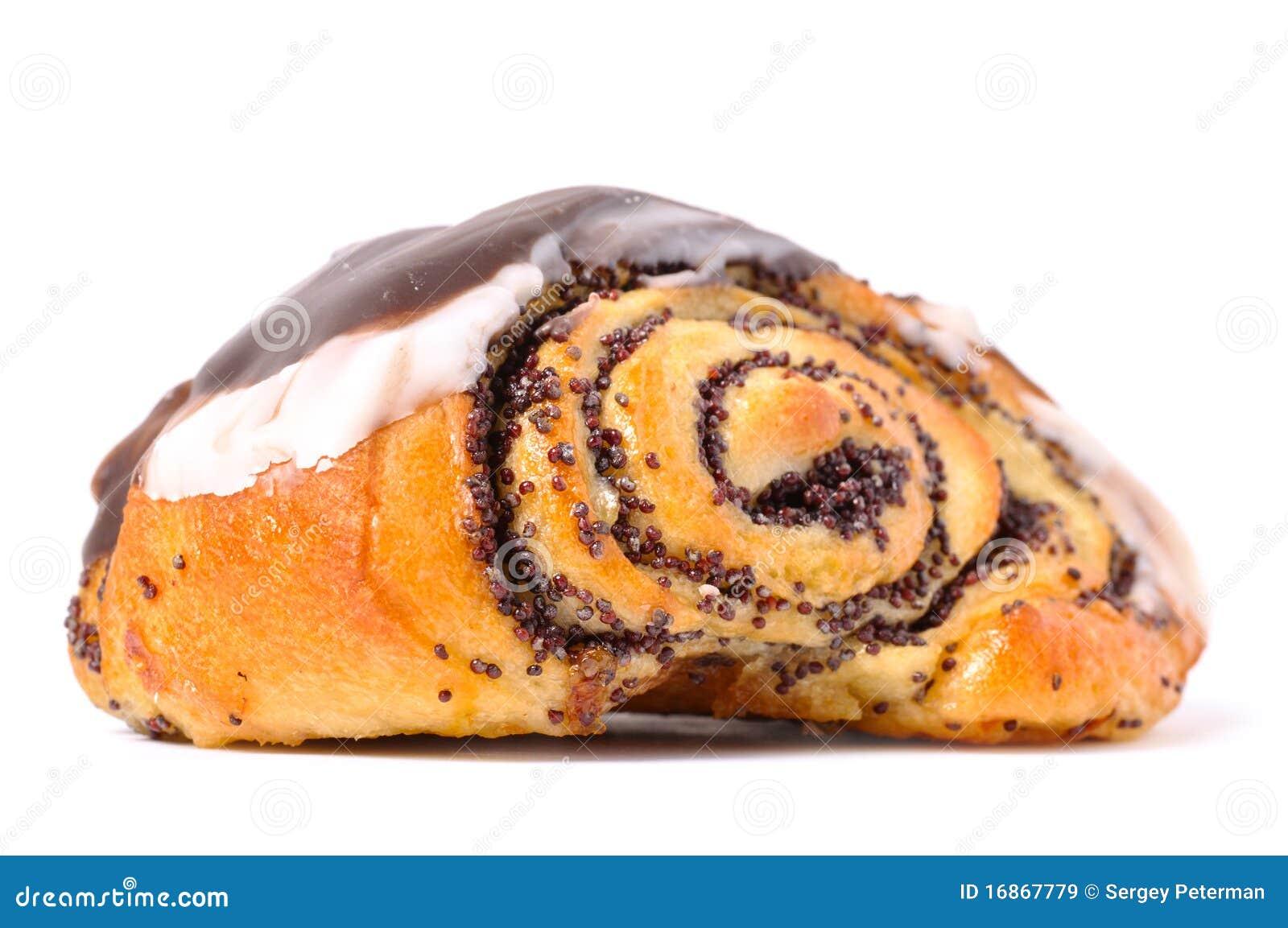 Torta com o poppyseed isolado