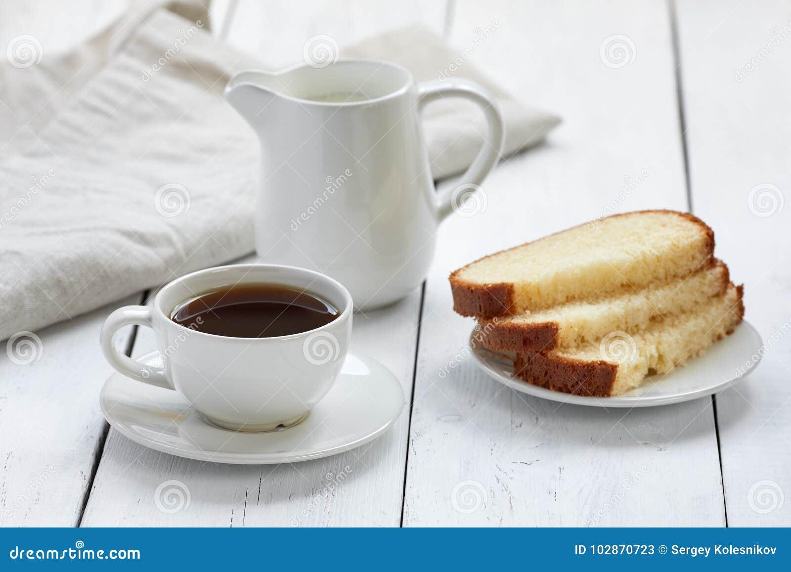 Torta con la taza de café