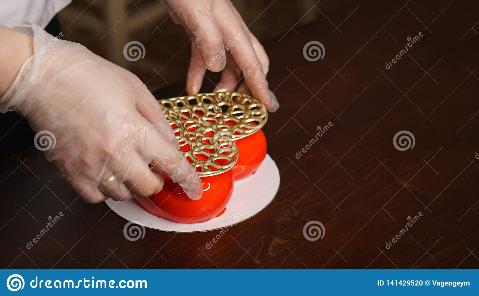 Torta de la crema batida Hornada festiva