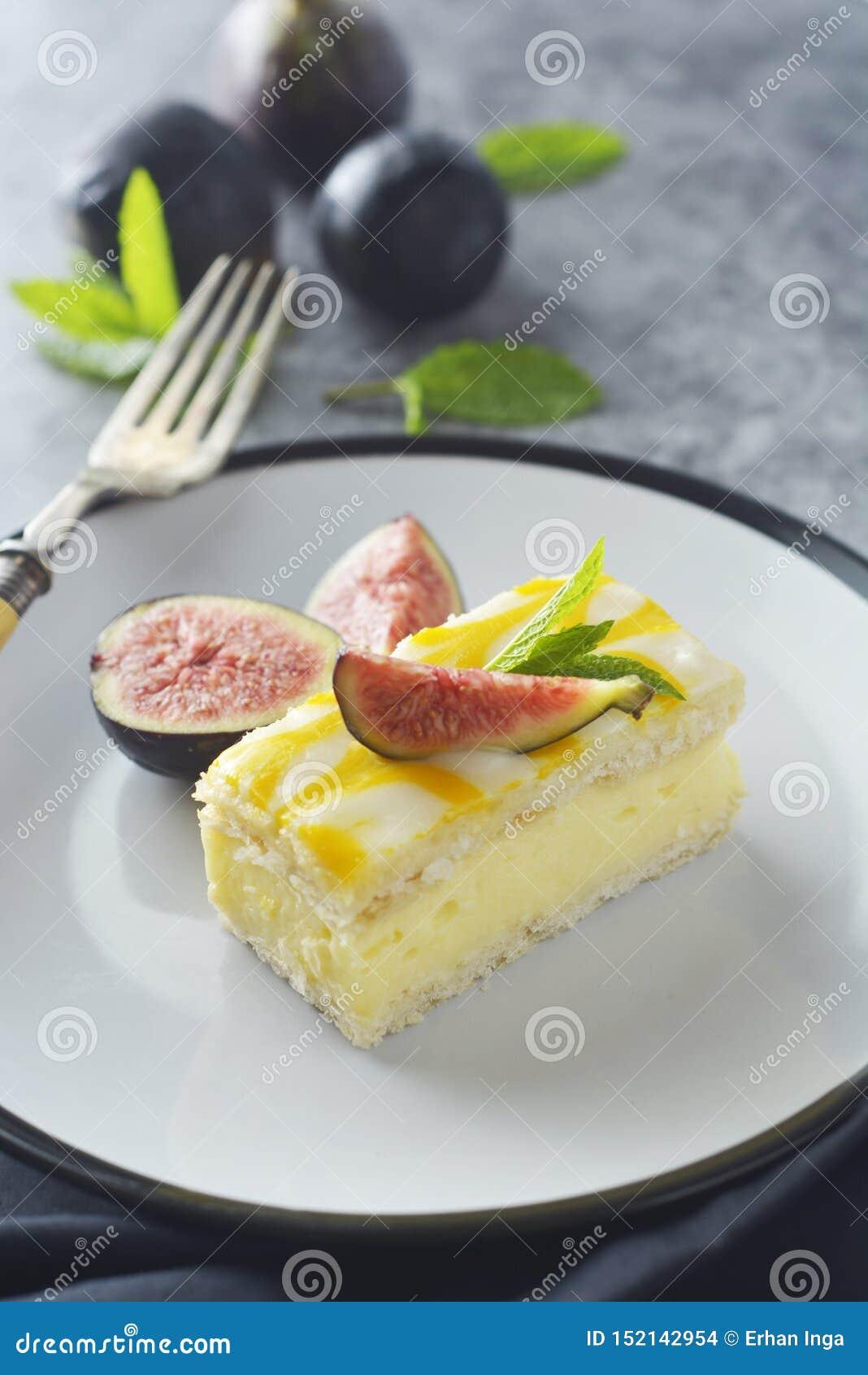 Torta de la llovizna del limón, postre de la torta de la corteza del limón