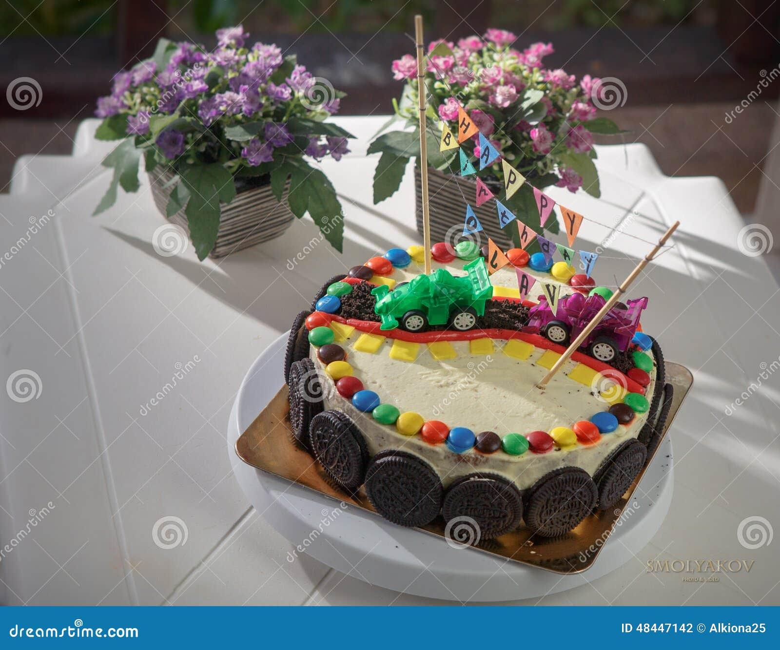 Torta Deliciosa De La Vainilla Para La Fiesta De Cumpleanos De Los - Fiestas-cumpleaos-nios