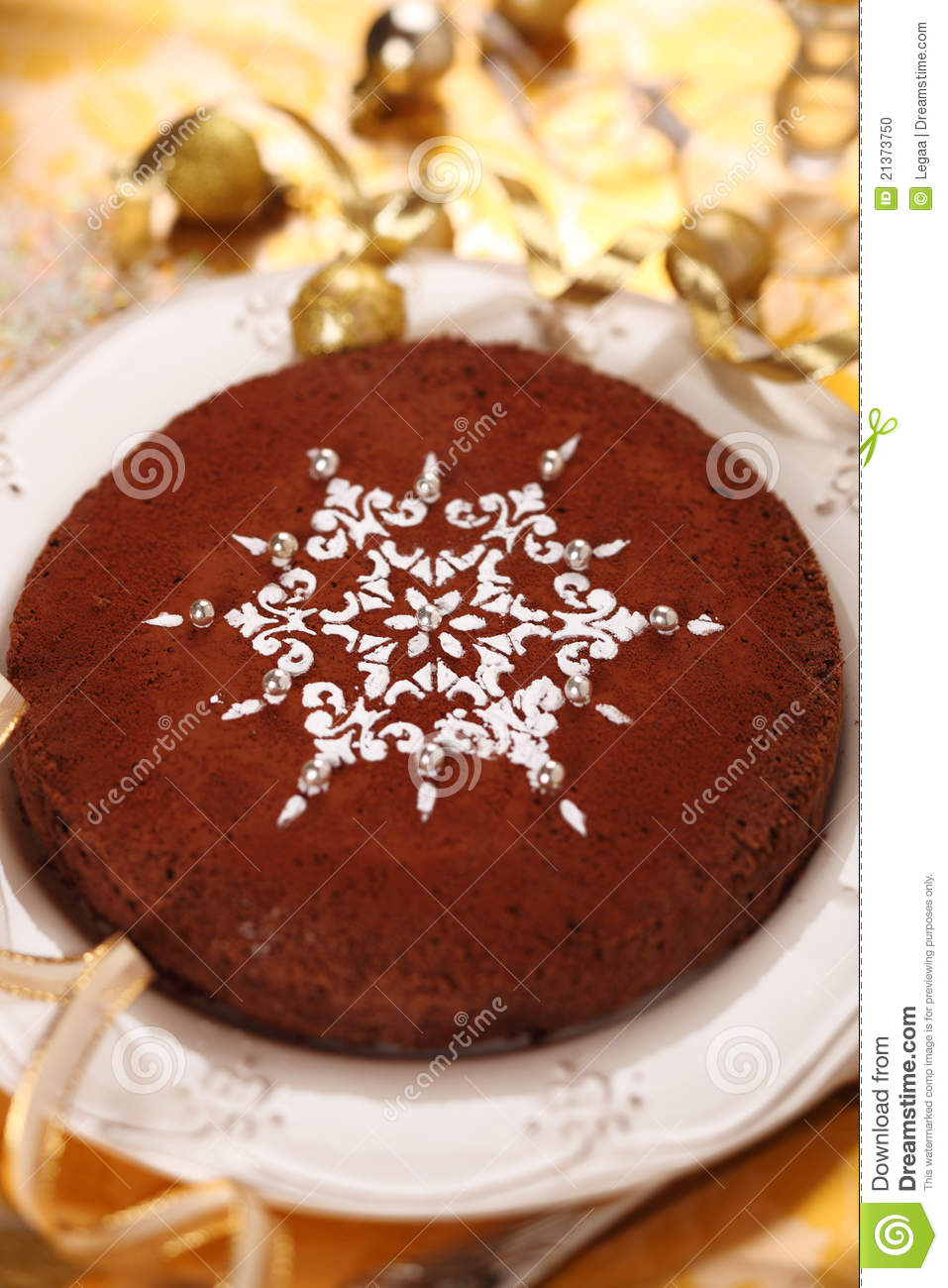 How Decorate Cake At Home : Torta Di Cioccolato Decorata Con Il Fiocco Di Neve ...