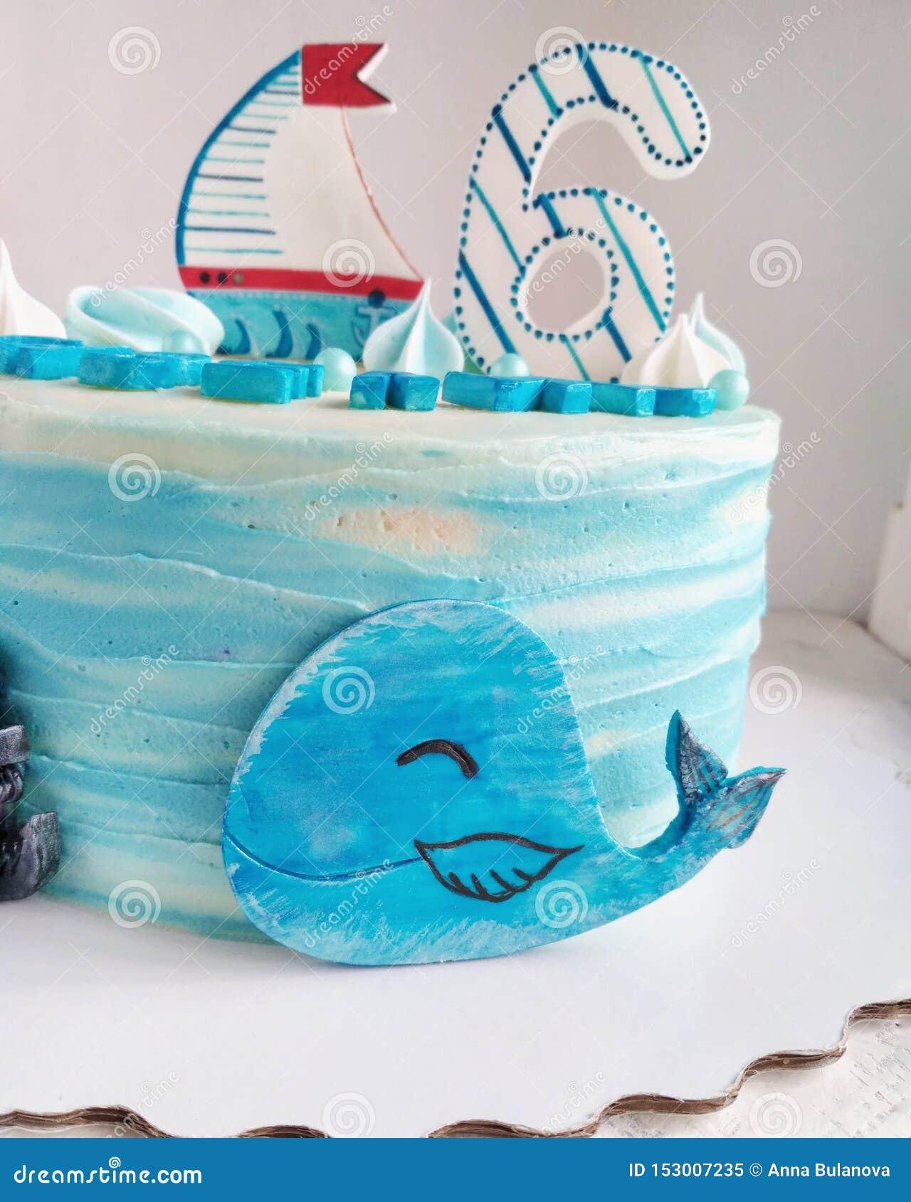 Torta di compleanno nel tema del mare