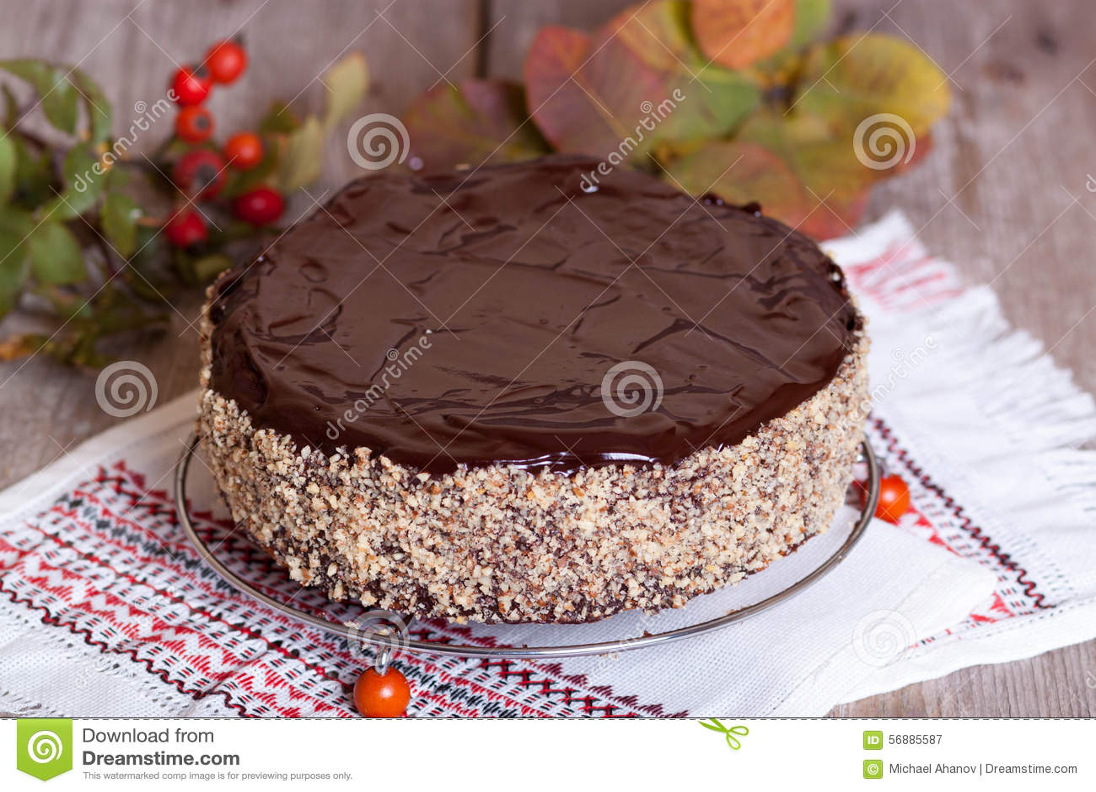 Torta di formaggio casalinga con cioccolato ed i dadi