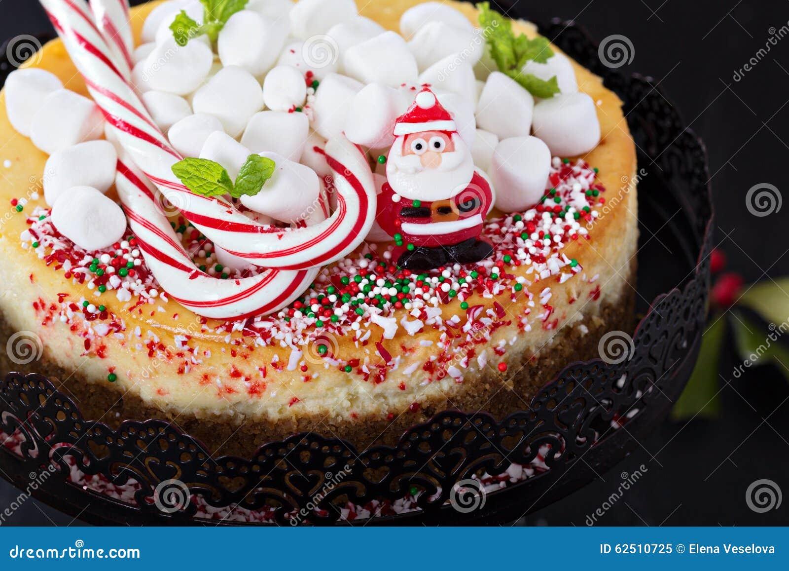 Torte Decorate Per Natale torta di formaggio decorata per il natale immagine stock