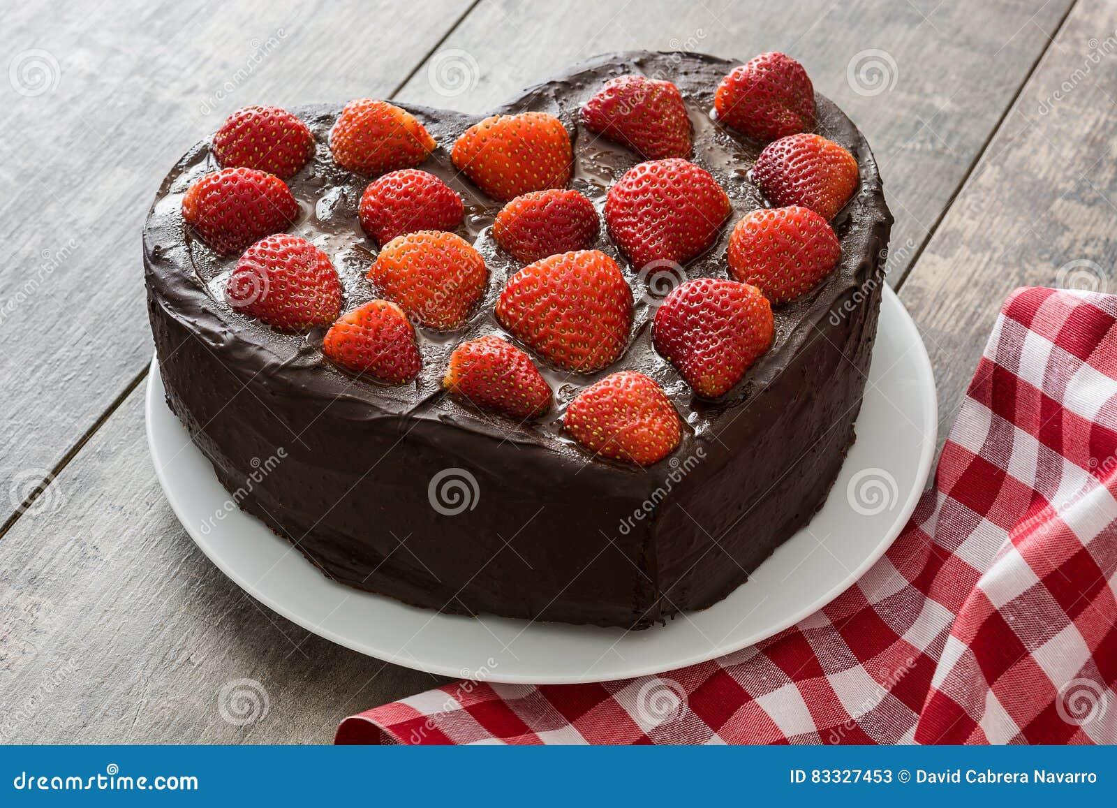 Torta En Forma De Corazón Para El Día Del S De La Tarjeta Del Día De