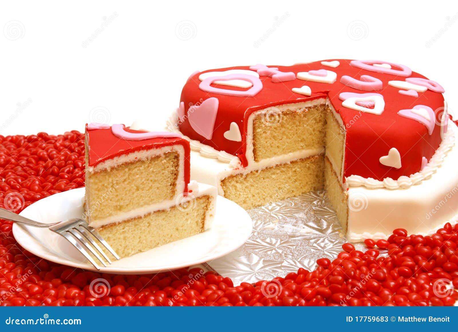 Una torta sotto forma di un cuore per i biglietti di S. Valentino, gli ...