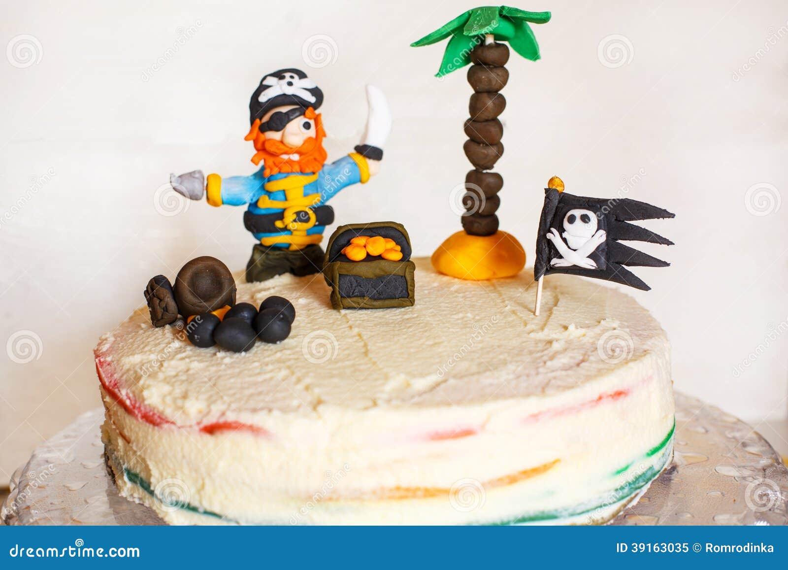 Torta Hecha En Casa Del Arco Iris Del Pirata Para El Cumpleaños Del ...
