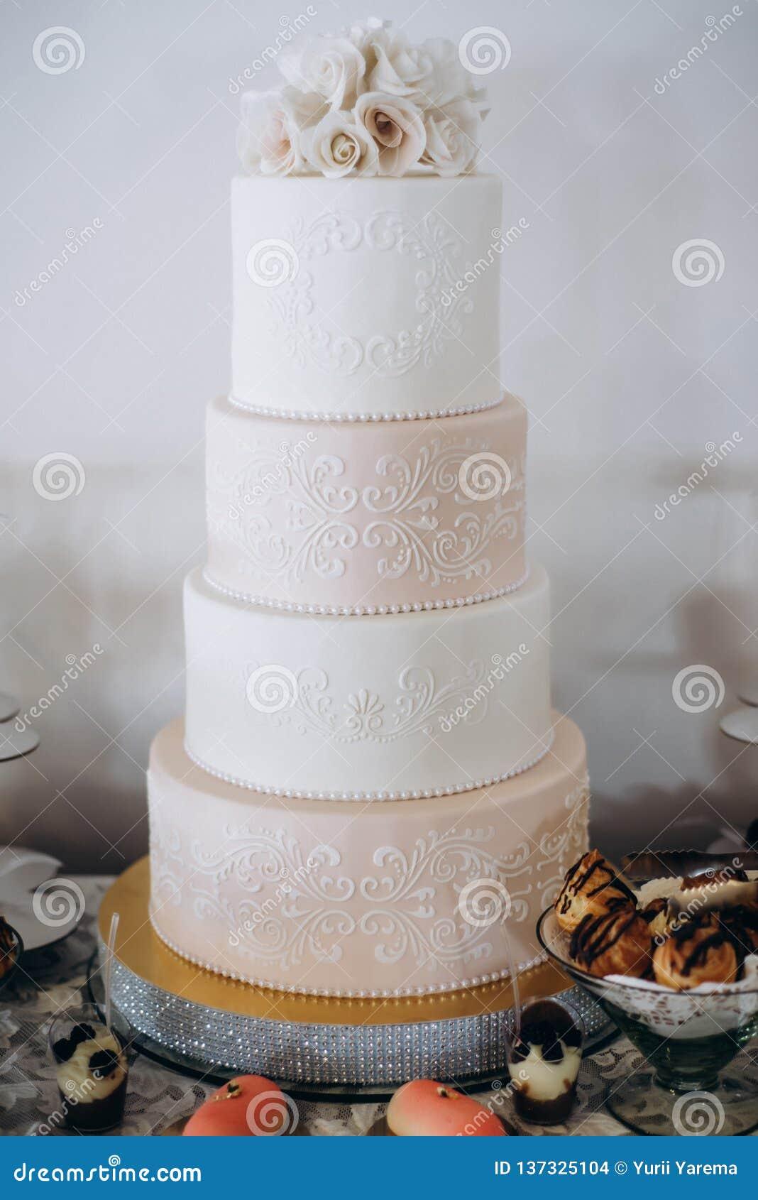 Torta nunziale Multi-a file