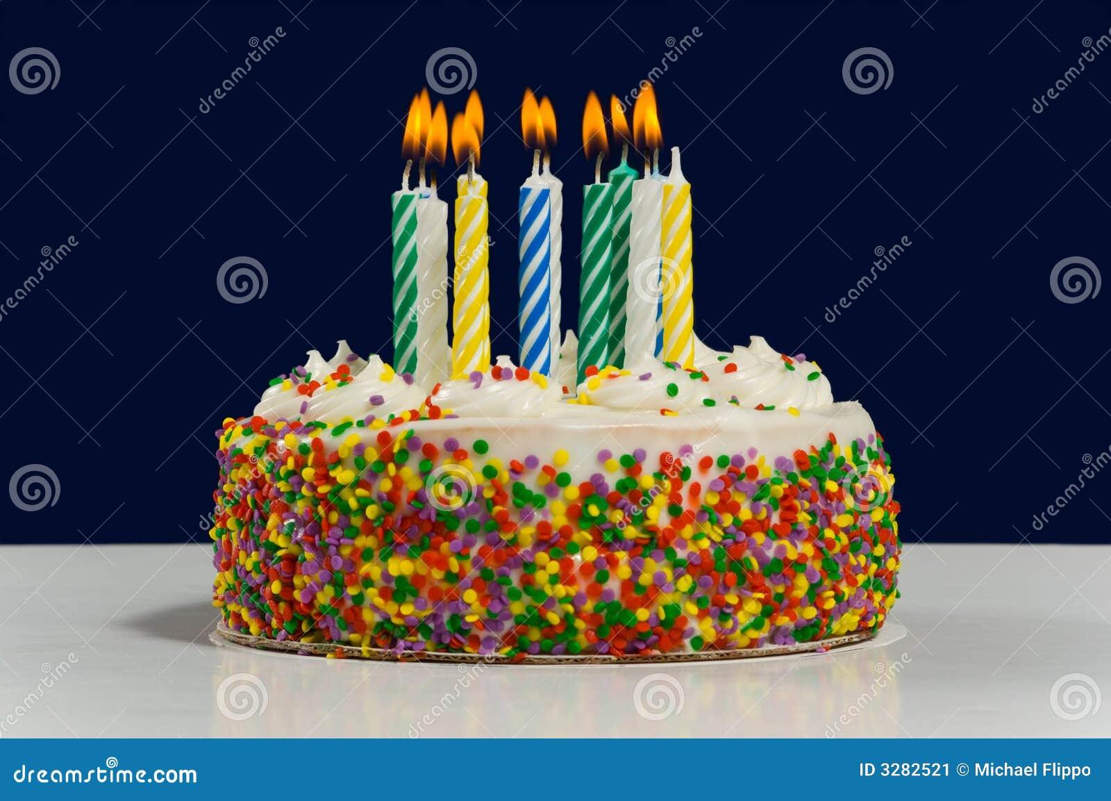 Torta Y Velas De Cumplea 241 Os Imagen De Archivo Imagen De