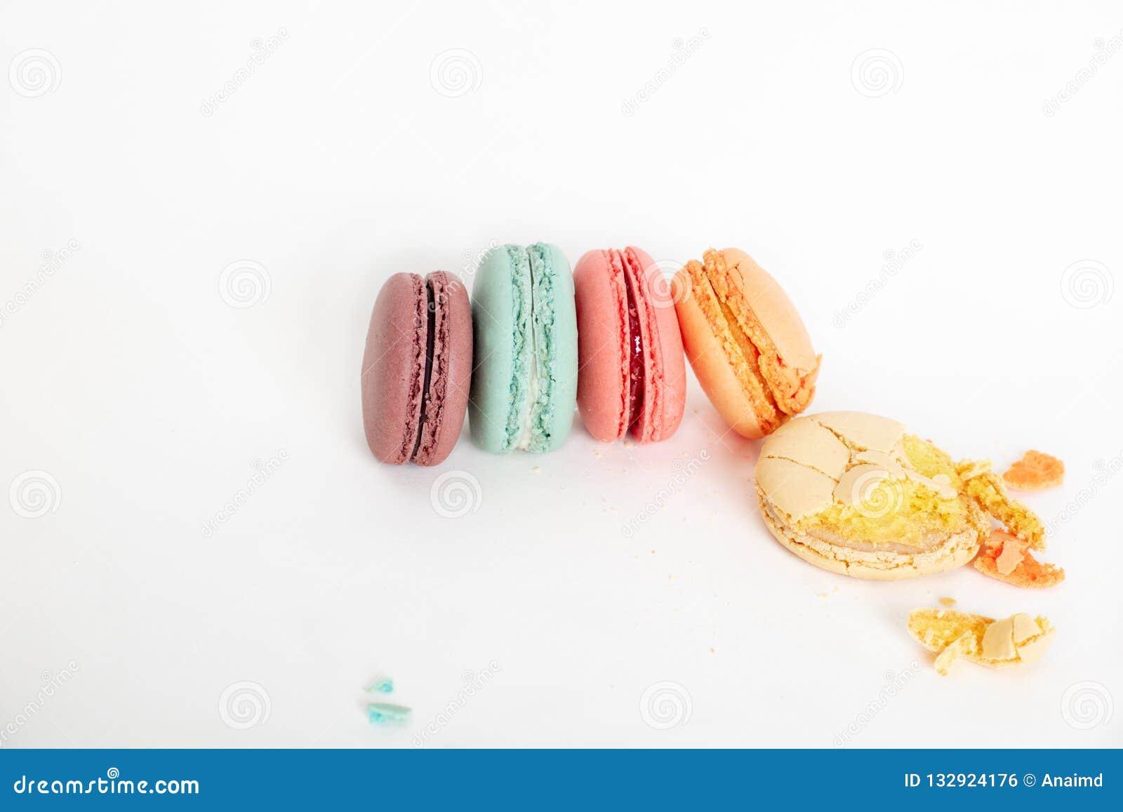 Tortas coloridas de los macarons Pequeñas tortas del francés