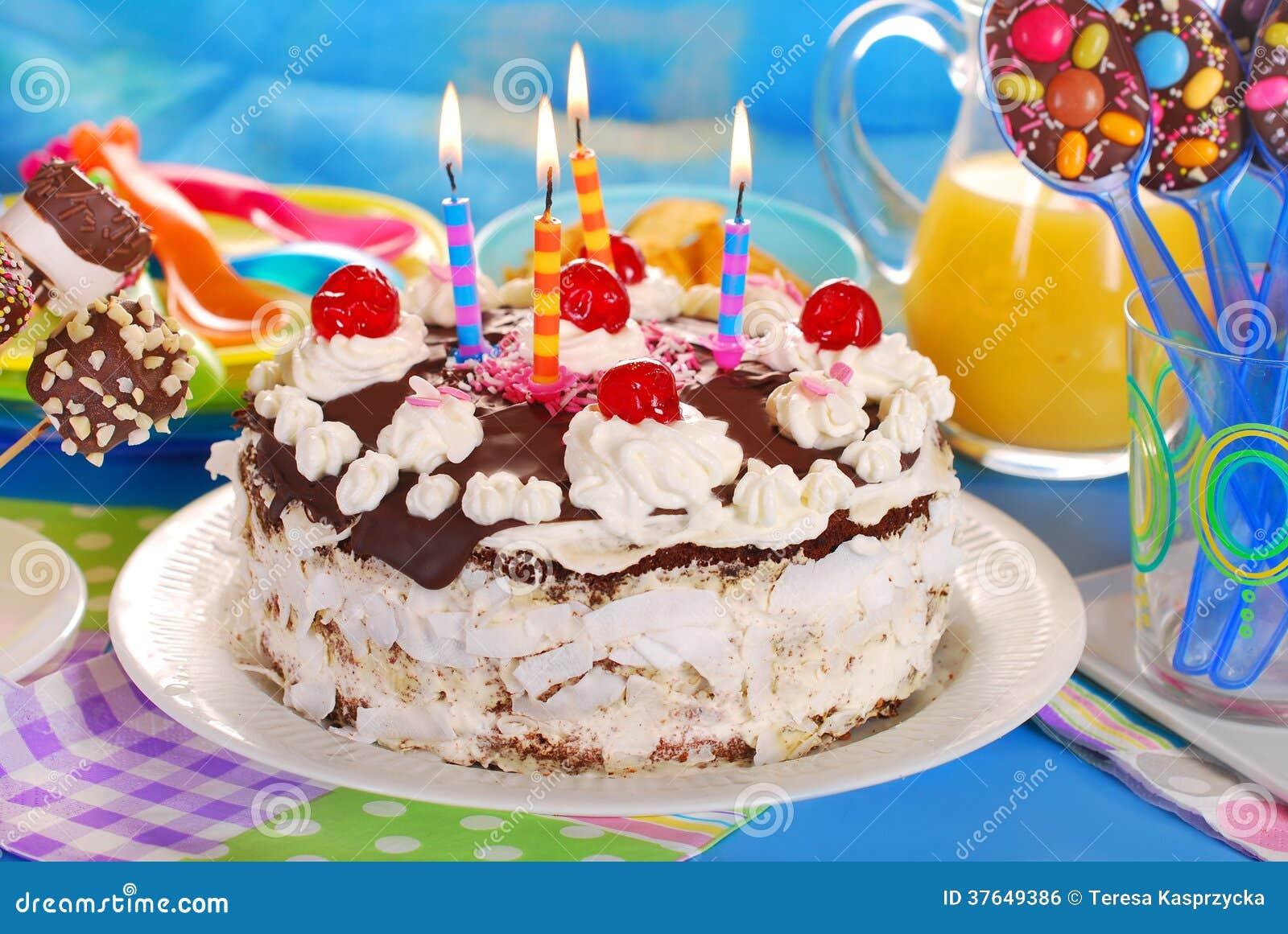 torte del chocolate para la fiesta de cumpleaos de los nios imagen de archivo libre de with tartas cumpleaos nios