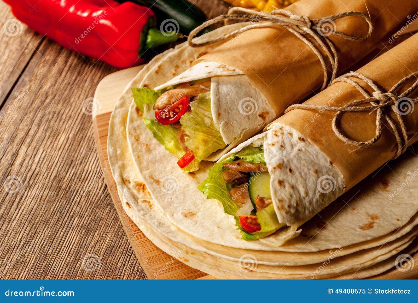 Download Tortillaverpackung stockbild. Bild von pfeffer, rindfleisch - 49400675