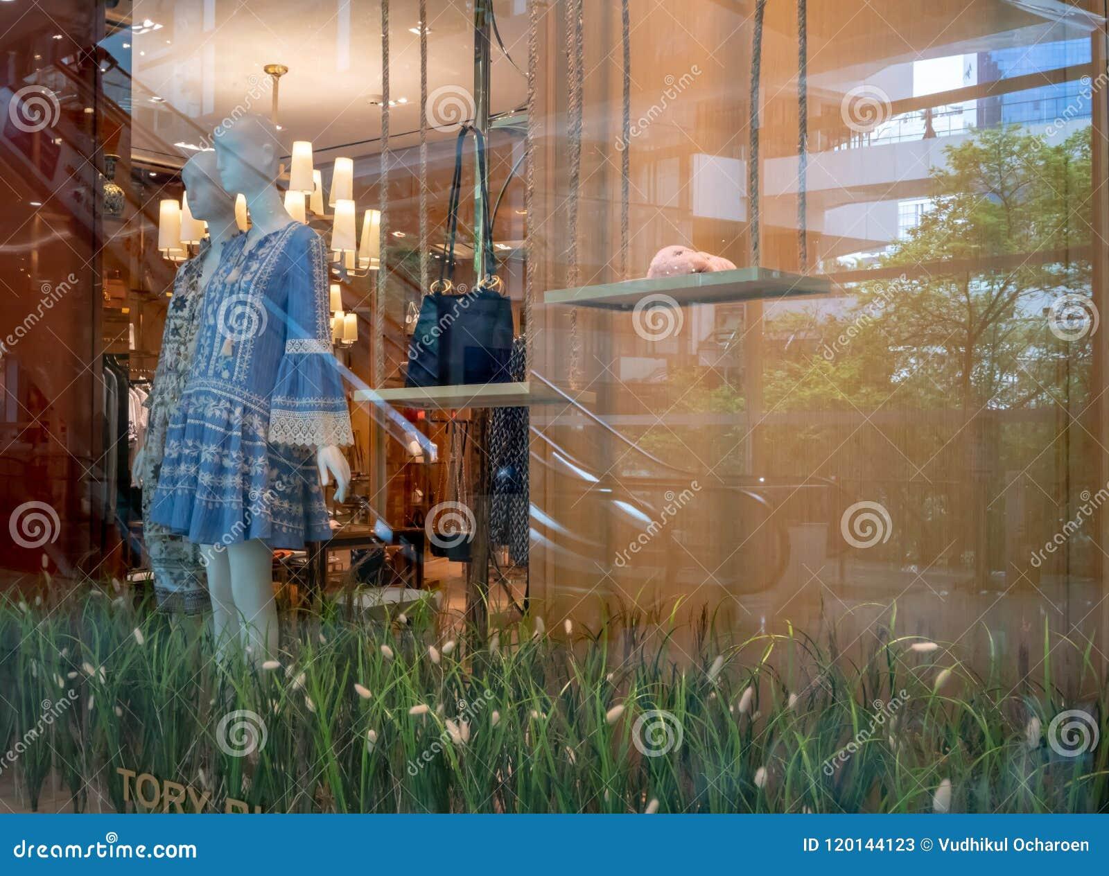 b00144d28074 Tory Burch Shop At Emquatier