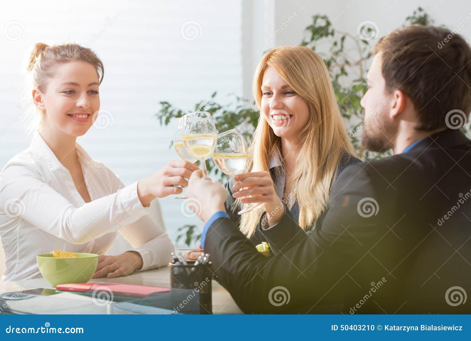 Tostar a empresarios