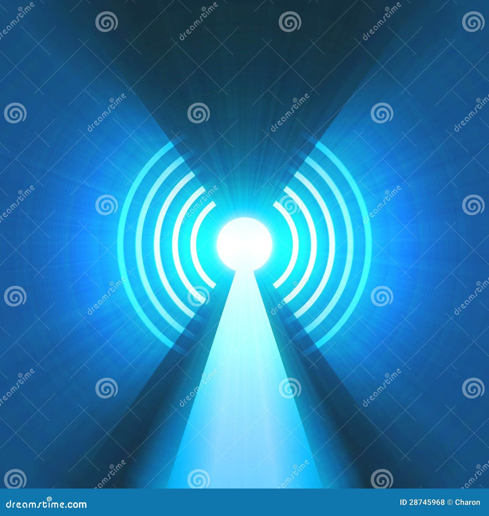 Tour d antenne avec l épanouissement de signal lumineux