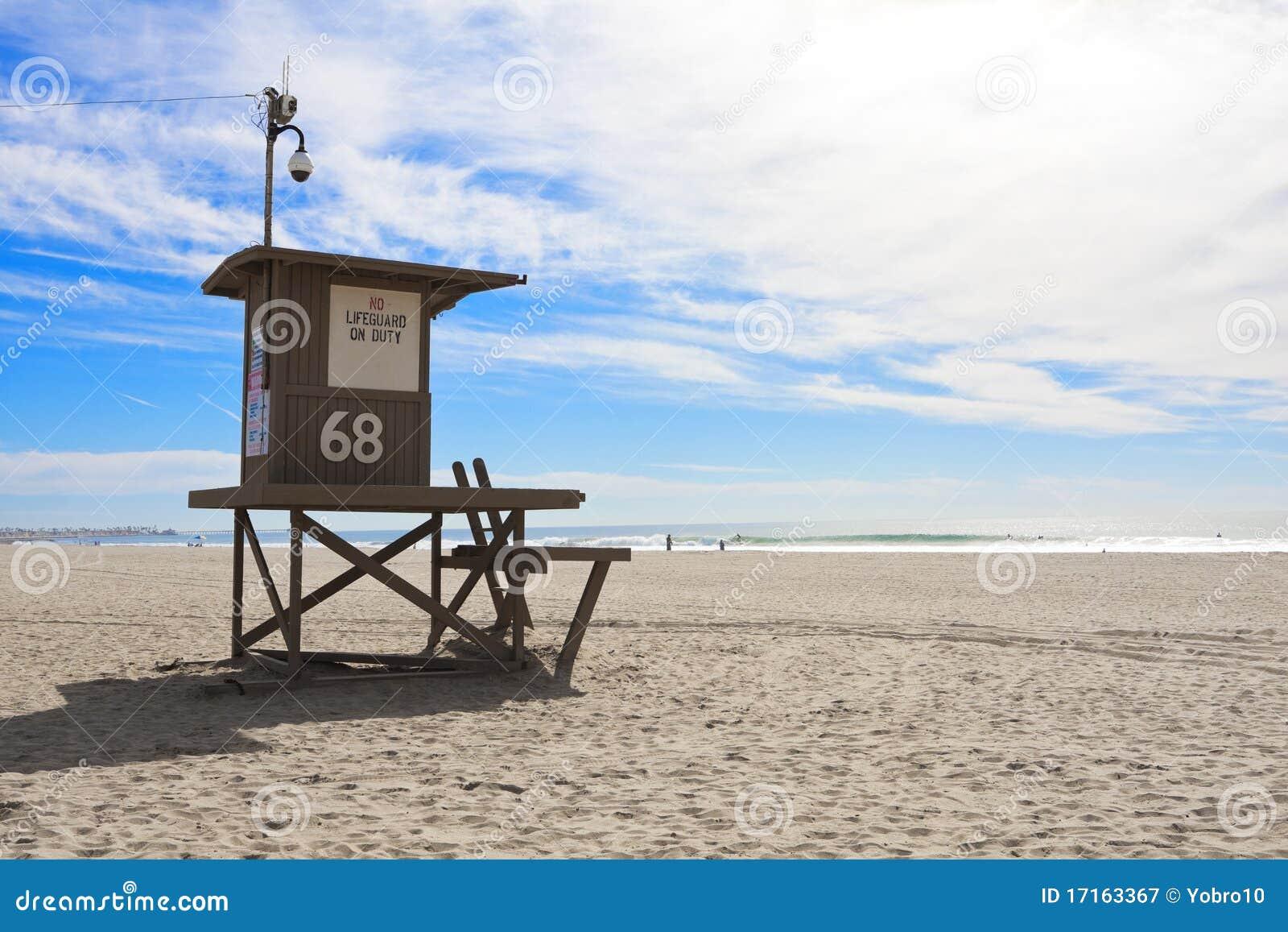 Tour de maître nageur à la plage de Newport, la Californie