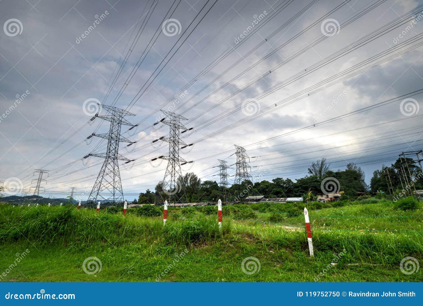 Tour de transmission ou tour de puissance