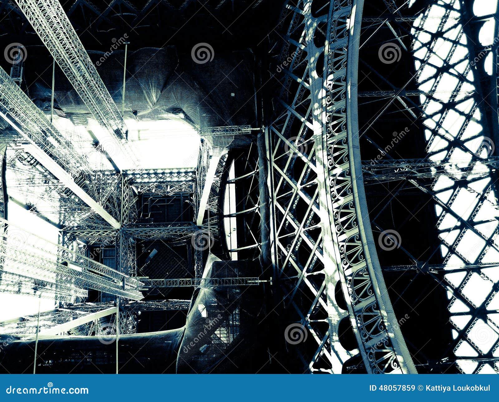 Tour eiffel l 39 int rieur de construction photo stock for A l interieur de la tour eiffel