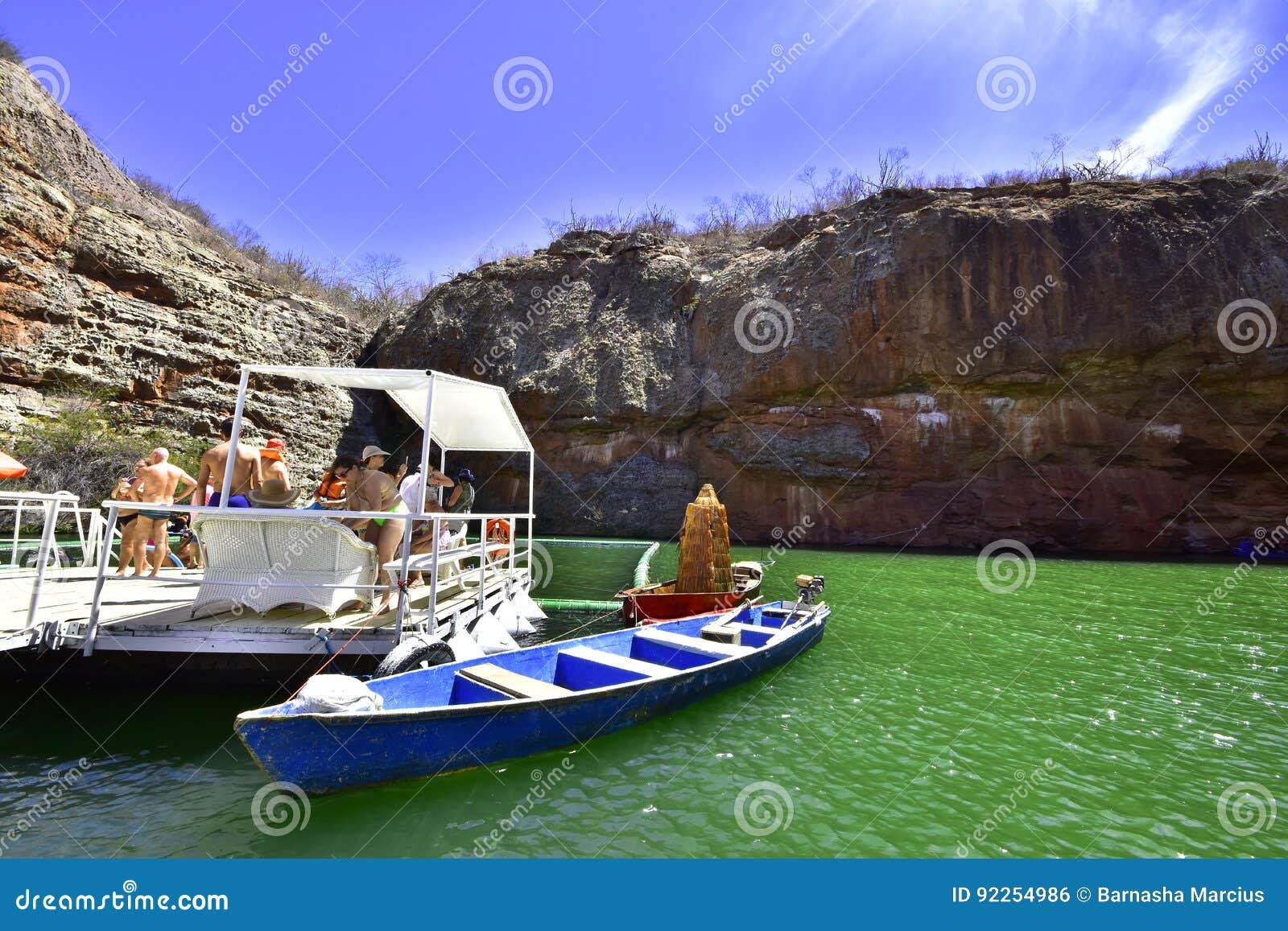 Tourismus in der Schlucht des Flusses