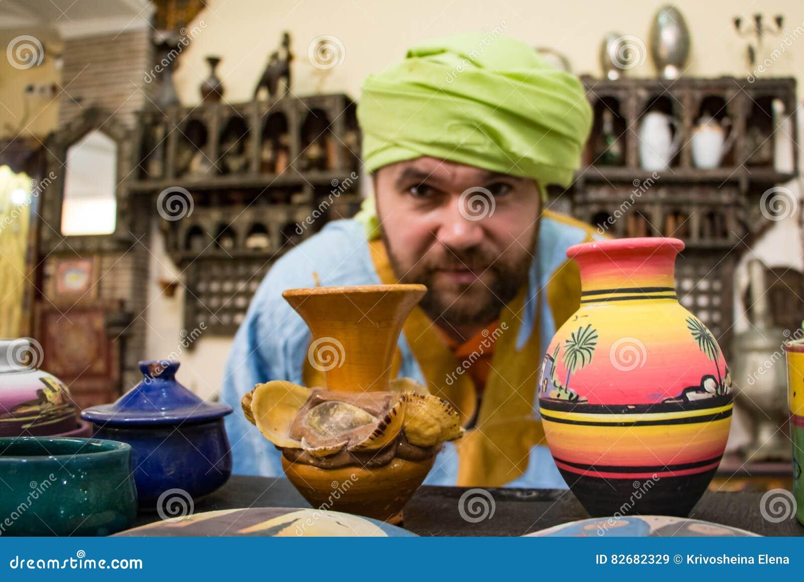 Tourist in einer Reise herein durch Marokko