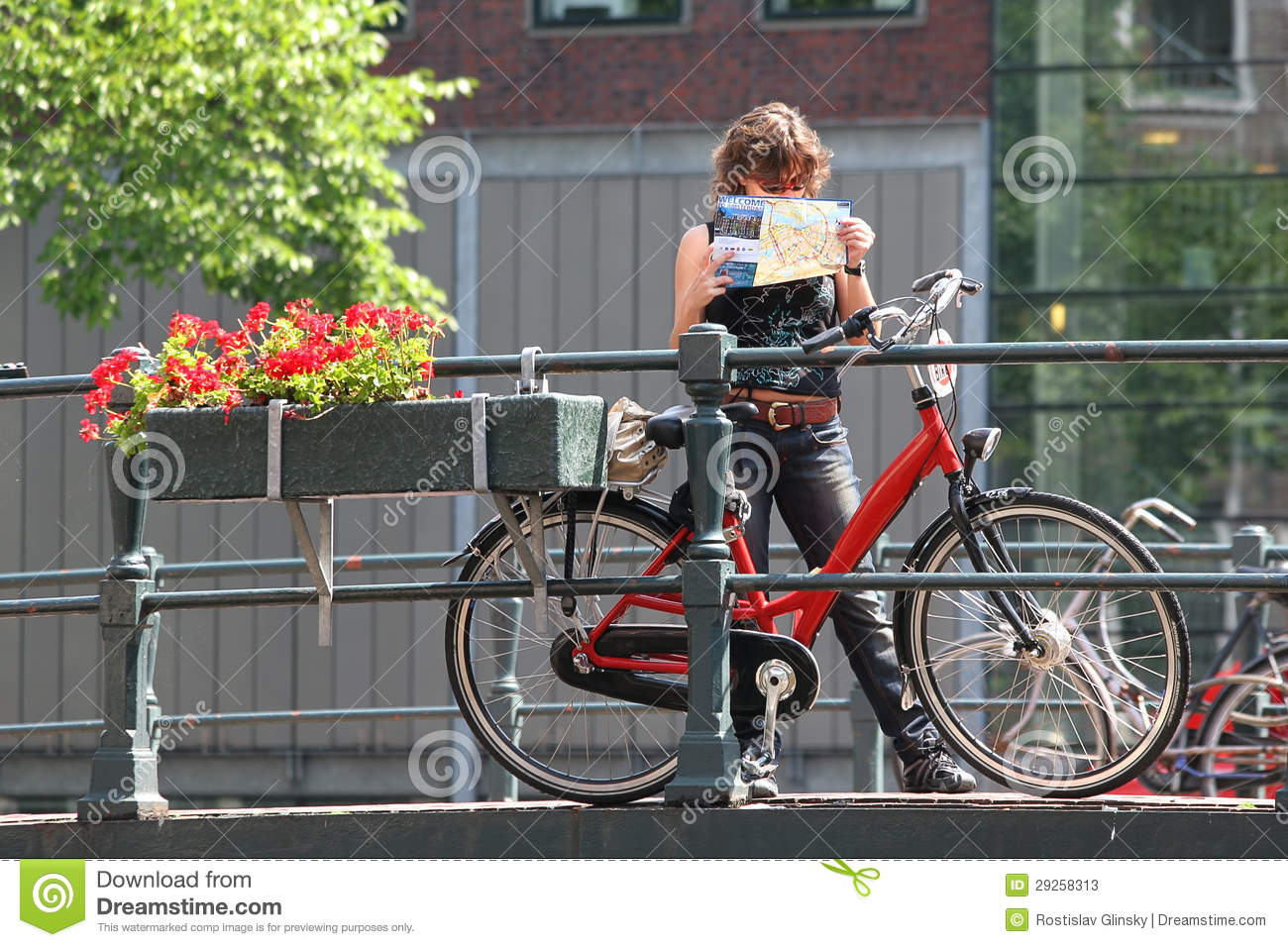 Tourist With Map And Bicycle Amsterdam Netherlands Editorial – Tourist Map Of Amsterdam
