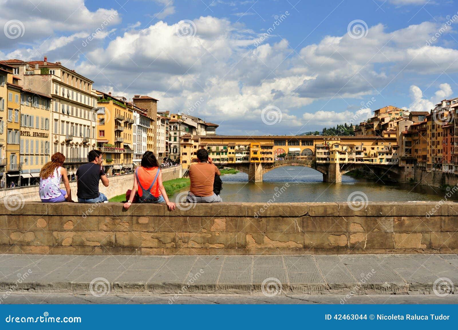 Touristen auf den Straßen von Florenz, Italien
