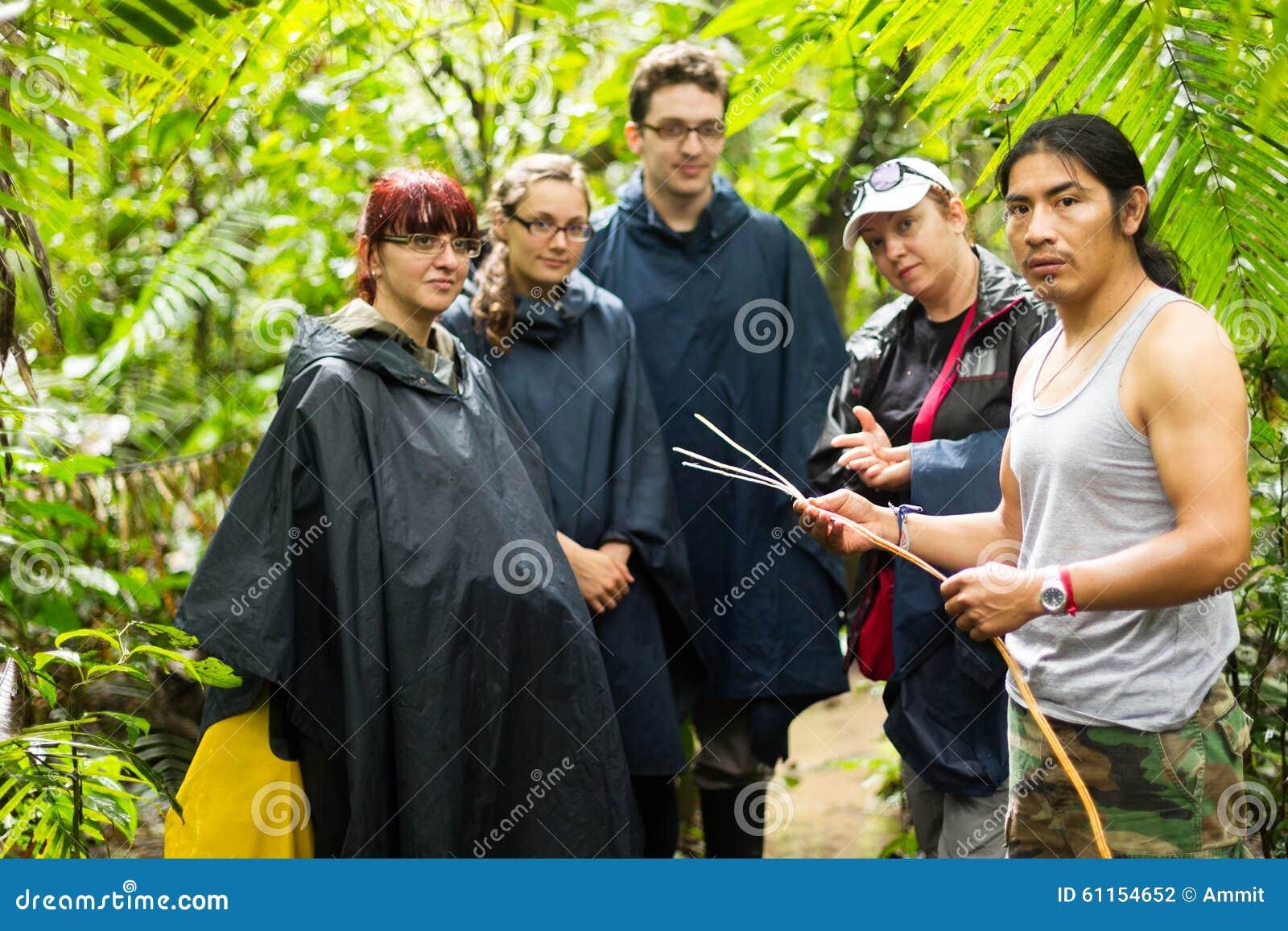 Touristen gruppieren in Amazonas-Gebiet