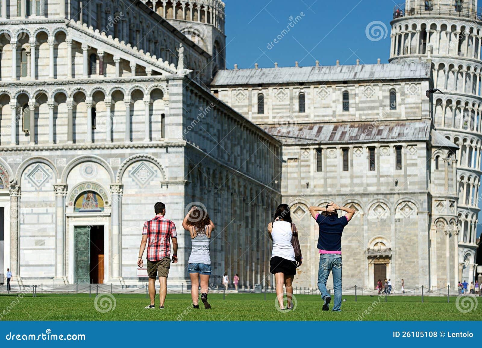 Touristen in Pisa