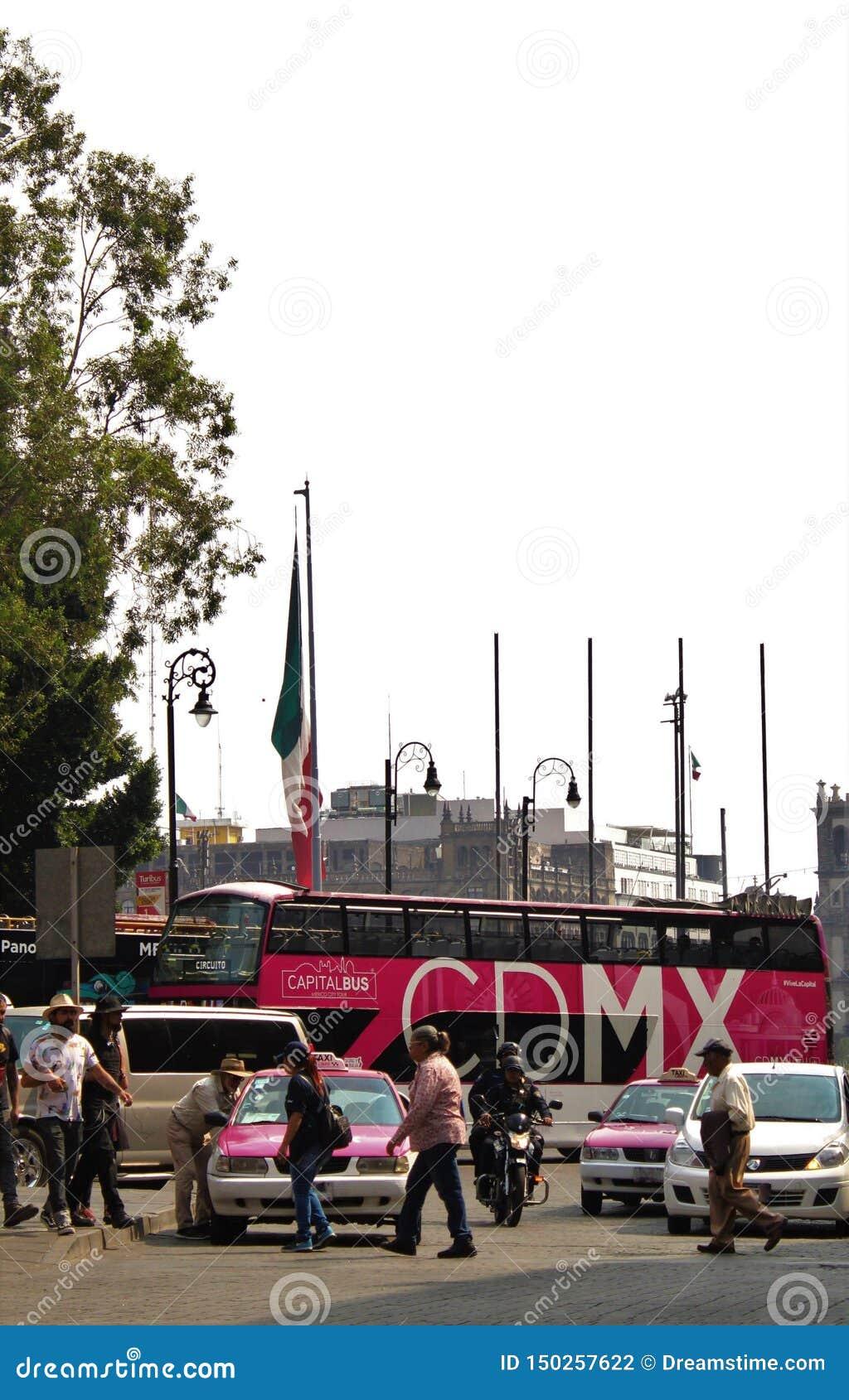 Touristenbus in Mexiko City