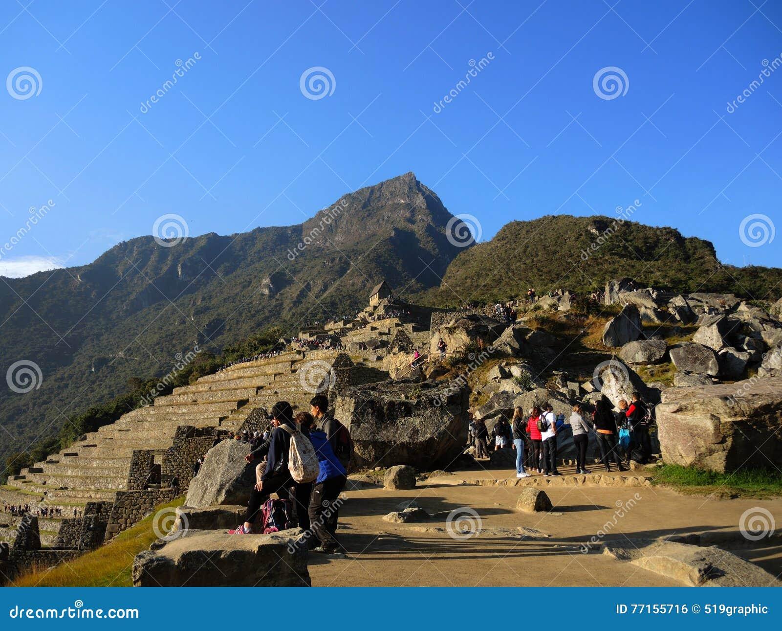 Touristes dans Machu Picchu, Pérou