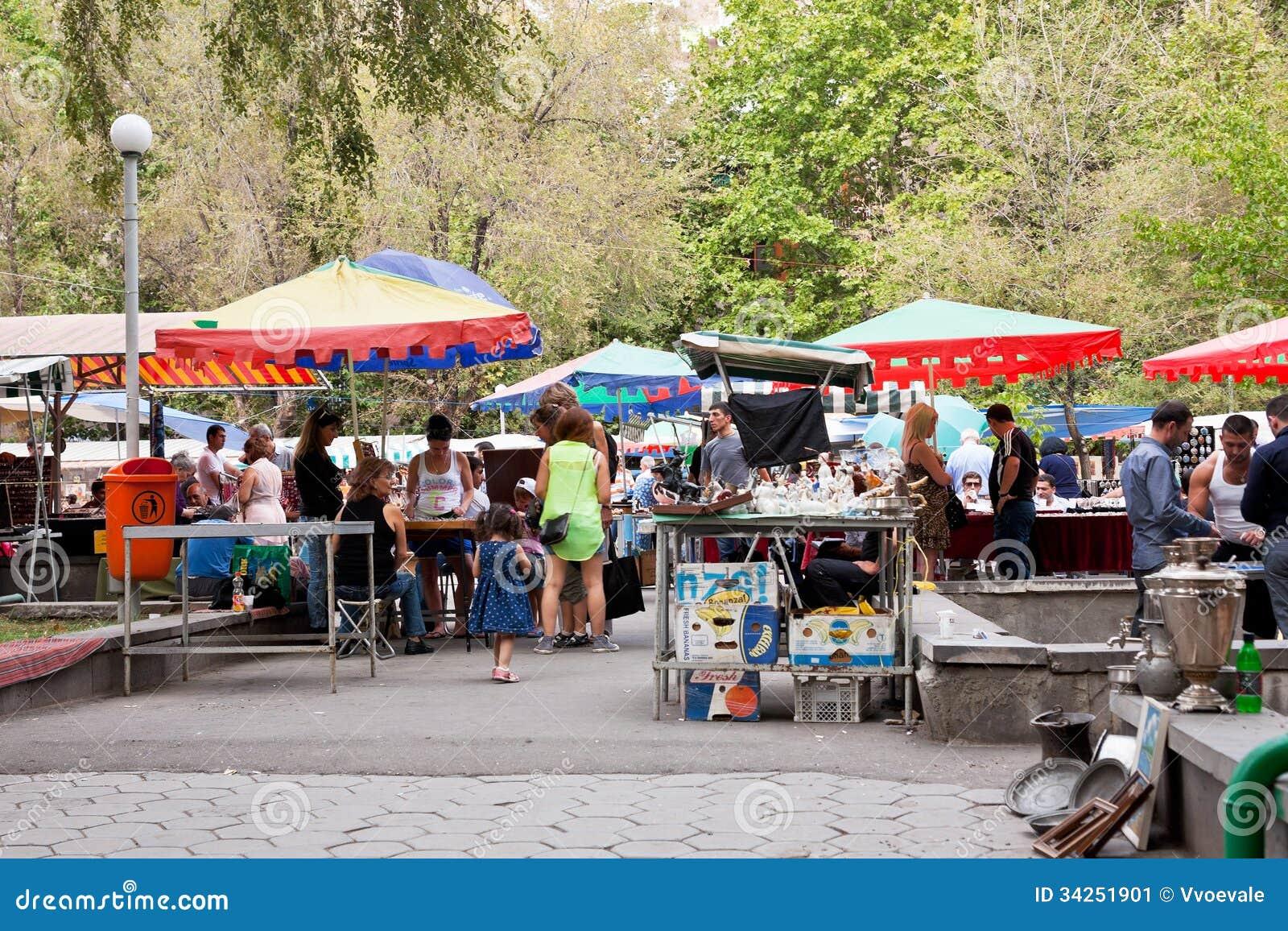 """Résultat de recherche d'images pour """"marché plein air"""""""