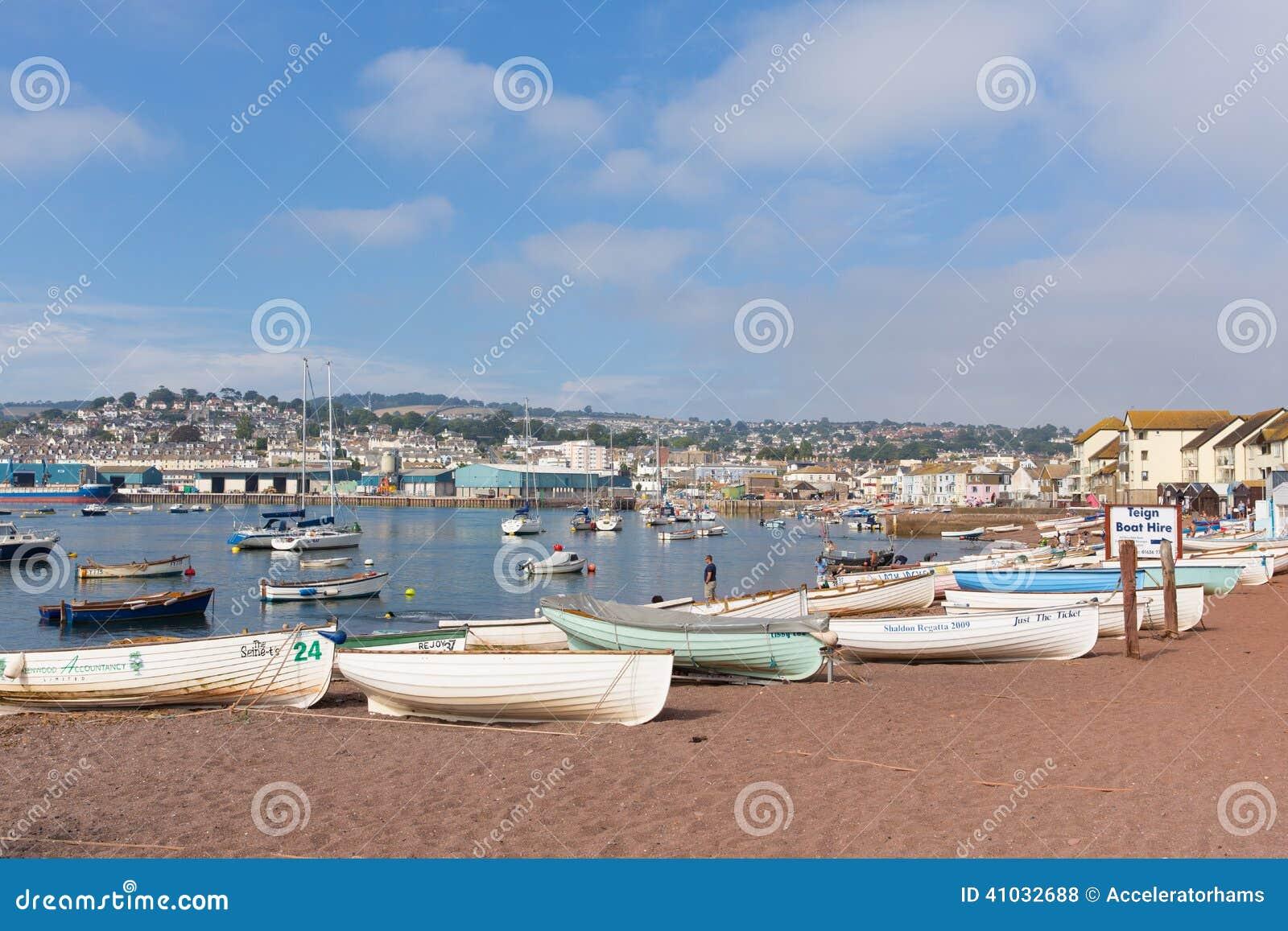 Touristische Stadt Teign-Fluss Teignmouth Devon mit blauem Himmel