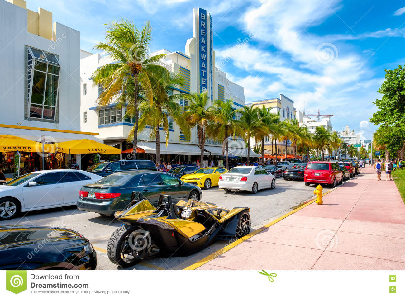 tourists and luxury cars at ocean drive in miami beach editorial photo 76579193. Black Bedroom Furniture Sets. Home Design Ideas