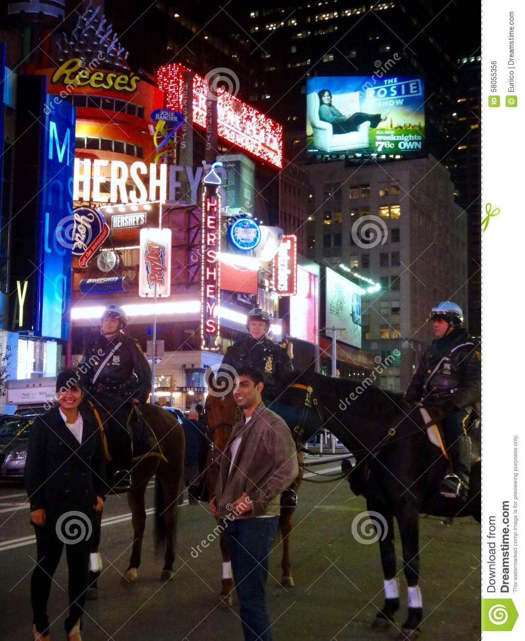 Mounted police editorial photo 43801035 for Bureau new york conforama