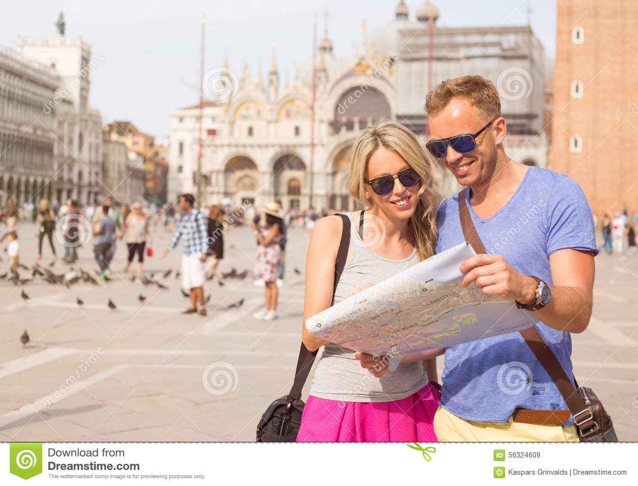 how to avoid tourists in venice