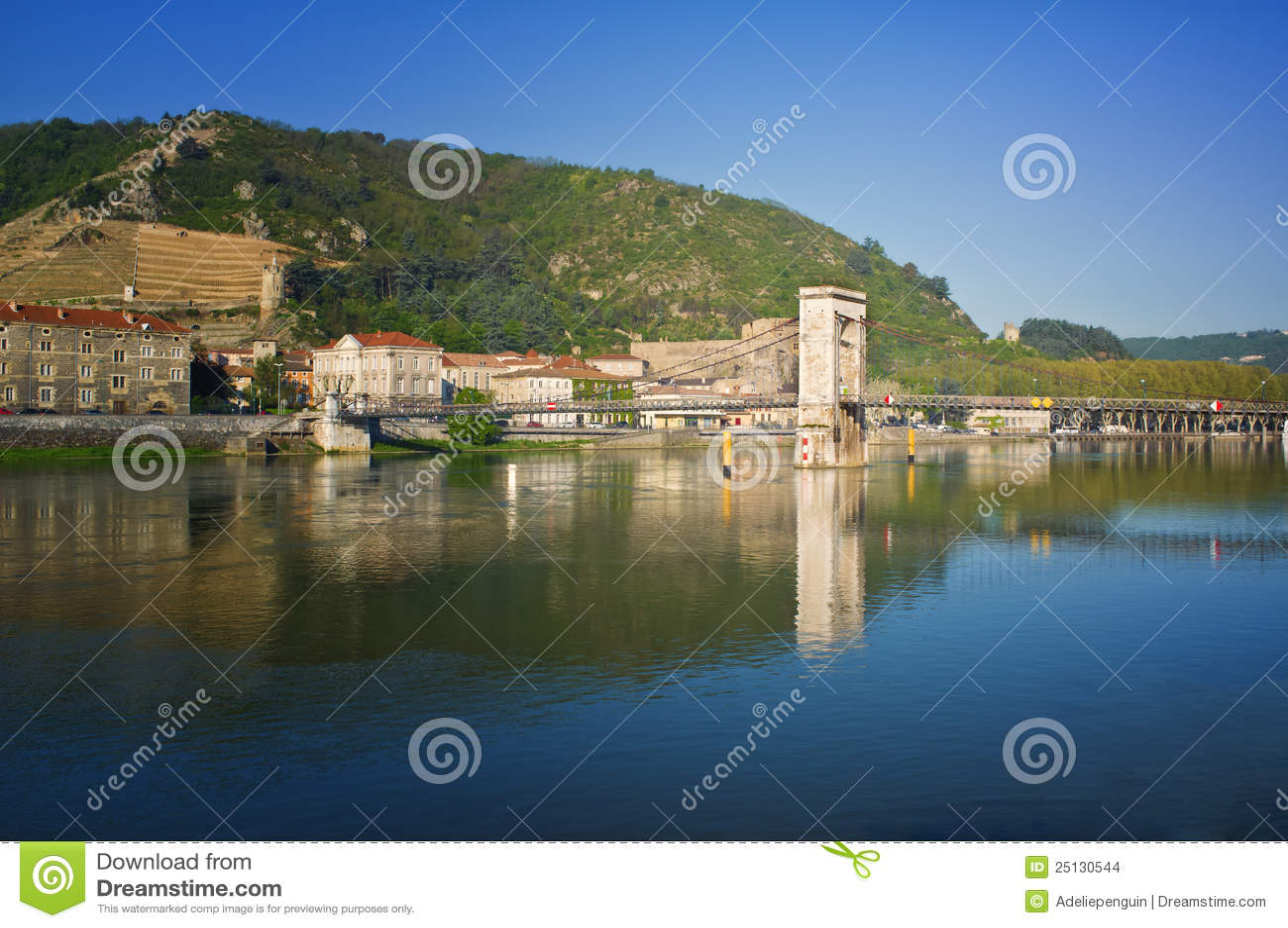 Tournon, de Rivier van de Rhône, Frankrijk